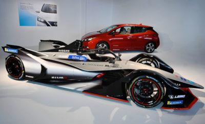 Αντίστροφη μέτρηση για το ντεμπούτο της Nissan στην Formula E. Η αντίστροφη μέτρηση για το ντεμπούτο της Nissan στο πρωτάθλημα της Formula E, ξεκίνησε επίσημα με την καρό σημαία στον τελευταίο γύρο της τέταρτης σεζόν του πρωταθλήματος, που έλαβε χώρα στη Νέα Υόρκη, την περασμένη Κυριακή. Η Nissan θα συμμετάσχει στο πρωτάθλημα κατά τη διάρκεια της πέμπτης σεζόν, που ξεκινά τον ερχόμενο Δεκέμβριο. Το αμιγώς ηλεκτροκίνητο αγωνιστικό μοντέλο, είναι το πρώτο Ιαπωνικής προέλευσης που θα συμμετάσχει στο συγκεκριμένο πρωτάθλημα και θα αγωνιστεί σε 12 διαφορετικές τοποθεσίες, ανά την Υφήλιο, το 2018 και το 2019. Το αυτοκίνητο της Nissan για την Formula E, έρχεται ως συνέχεια της κυκλοφορίας της δεύτερης γενιάς του Nissan LEAF. Η Nissan, ως κατασκευαστής του Nissan LEAF, του ηλεκτροκίνητου αυτοκινήτου με τις περισσότερες πωλήσεις στον κόσμο, αξιοποιεί το πρωτάθλημα ηλεκτροκίνητων αγώνων για να παρουσιάσει τη στρατηγική του Nissan Intelligent Mobility. Η ηλεκτροκίνηση αποτελεί βασικό πυλώνα της συγκεκριμένης στρατηγικής, η οποία επιδιώκει να αλλάξει τον τρόπο με τον οποίο τα αυτοκίνητα οδηγούνται, τροφοδοτούνται και ενσωματώνονται στην κοινωνία. Η εταιρεία σκοπεύει να πουλήσει 1 εκατομμύριο ηλεκτροκίνητα οχήματα ετησίως μέχρι το οικονομικό έτος 2022, συμπεριλαμβανομένων των αμιγώς ηλεκτροκίνητων οχημάτων και των μοντέλων e-POWER. Η Nissan ανακοίνωσε την είσοδό της στη Formula E στο περσινό Σαλόνι Αυτοκινήτου του Τόκιο, ενώ παρουσίασε το όχημα της Formula E, στο Σαλόνι Αυτοκινήτου της Γενεύης, τον περασμένο Μάρτιο.