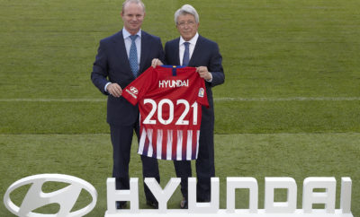 """Η Hyundai Motor Παγκόσμιος Συνεργάτης Αυτοκινήτου του Club Atlético de Madrid • Η Hyundai Motor Παγκόσμιος Συνεργάτης Αυτοκινήτου της Atlético που διαθέτει στο ενεργητικό της 10 πρωταθλήματα στη La Liga • Το λογότυπο της Hyundai θα κοσμεί το μανίκι των εμφανίσεων της Atlético από την επόμενη σεζόν Η Hyundai Motor ανακοίνωσε πολυετή χορηγική συνεργασία με το Club Atlético de Madrid από την επόμενη σεζόν. Ως Παγκόσμιος Συνεργάτης Αυτοκινήτου, το λογότυπο της Hyundai θα κοσμεί το μανίκι της φανέλας του Club Atlético de Madrid μέχρι το 2021. Είναι η πρώτη φορά που η Hyundai δημιουργεί μια τέτοια συνεργασία στην ισπανική αγορά ποδοσφαίρου και η δεύτερη νέα συμφωνία που καθιερώνει την παρουσία της Hyundai, μετά την πρόσφατη ανακοίνωσή της για τη συνεργασία της με την Chelsea FC της αγγλικής Premier League. Με τη χορηγική αυτή συνεργασία, η παρουσία της Hyundai δεν θα είναι μόνο ορατή στη φανέλα της ομάδας, αλλά και μέσω ενός στόλου αυτοκινήτων Hyundai που παρέχεται στον σύλλογο, διαφημιστικών μηνυμάτων στα matrix του γηπέδου στους εντός έδρας αγώνες καθώς και διαφόρων άλλων ψηφιακών μέσων. Κατά τη διάρκεια αυτής της συνεργασίας, η Hyundai θα συνεργαστεί στενά με την Atlético για να δημιουργήσει μια σειρά από συναρπαστικές δράσεις και πολύτιμα οφέλη για τους φιλάθλους του συλλόγου, με σκοπό να διευκολύνει τις μετακινήσεις και να κάνει το ποδόσφαιρο πιο προσιτό στους φιλάθλους. Ο κ. Andreas-Christoph Hofmann, Vice President Marketing & Product της Hyundai Motor δήλωσε: """"Είμαστε εξαιρετικά ενθουσιασμένοι για τη νέα μας συνεργασία με την Atlético de Madrid - μια εξαιρετικά επιτυχημένη ομάδα με παθιασμένο fanbase. Αποτελεί πρόκληση για μας η συνεργασία μας με αυτό τον σύλλογο για να αναπτύξουμε δραστηριότητες που τοποθετούν τους φιλάθλους του στο επίκεντρο όλων των προγραμμάτων μας. Σε συνδυασμό με την υπάρχουσα συνεργασία μας με την Olympique Lyonnais και την τελευταία μας συνεργασία με την Chelsea, αυτό είναι ένα εκπληκτικό νέο βήμα στη νέα μας πανευρωπαϊκή προσέγγιση χορηγι"""