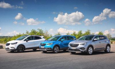 Crossland X, Grandland X και Mokka X: Ήδη πληρούν το μελλοντικό πρότυπο εκπομπών ρύπων Crossland X και Grandland X: Νέοι κινητήρες άμεσου ψεκασμού βενζίνης και πετρελαίου Mokka X: Υπερτροφοδοτούμενες μονάδες βενζίνης και πετρελαίου σε όλη τη γκάμα Η Opel είναι πρωτοπόρος στην εφαρμογή του Euro 6d-TEMP, που περιλαμβάνει τη δοκιμή Πραγματικών Εκπομπών Ρύπων (Real Driving Emissions - RDE) με μέτρηση ρύπων σε δημόσιους δρόμους. Η μάρκα έχει λανσάρει 85 νέους κινητήρες που ήδη πληρούν το μελλοντικό πρότυπο εκπομπών ρύπων. Στο προσκήνιο βρίσκεται η οικογένεια μοντέλων SUV, Opel X-family, με τα Crossland X, Grandland X και Mokka X. Με τη μετάβαση σε καθεστώς Euro 6d-TEMP, το Crossland X και το μεγαλύτερο συμπαγές SUV Grandland X φέρνουν μία νέα γενιά κινητήρων 1.5 Diesel στη γκάμα της Opel. Τόσο η κυλινδροκεφαλή όσο και ο στροφαλοθάλαμος κατασκευάζονται από κράμα αλουμίνιο, ενώ οι τέσσερις βαλβίδες ανά κύλινδρο ενεργοποιούνται από δύο επικεφαλής εκκεντροφόρους. Το Crossland X προσφέρει την έκδοση 75 kW/102 hp των υπερτροφοδοτούμενων, τετρακύλινδρων κινητήρων με Start/Stop. Με μηχανικό εξατάχυτο κιβώτιο, η κατανάλωση καυσίμου[1] είναι 4,7 l/100 km στην πόλη, 3,5 l/100 km εκτός πόλης και 4,0 l/100 km με εκπομπές CO2 105 g/km στο μικτό κύκλο. Η μέγιστη ροπή των 250 Nm αποδίδεται στις 1.750 rpm. Το συμπαγές SUV Grandland X προσφέρει την έκδοση 96 kW/130 hp του 1.5 Diesel, με start/stop και έναν VGT turbocharger (τουρμπίνα μεταβλητής γεωμετρίας). Με εξατάχυτο μηχανικό κιβώτιο, η κατανάλωση καυσίμου[1] είναι 4,7-4,7 στην πόλη l/100 km, 3,9-3,8 εκτός πόλης l/100 km και 4,2-4,1 l/100 km με εκπομπές CO2110-108 g/km στο μικτό κύκλο. Η μέγιστη ροπή των 300 Nm αποδίδεται μόλις στις 1.750 rpm. Το Grandland X 1.5D διατίθεται επίσης με ένα προηγμένο οκτατάχυτο αυτόματο κιβώτιο που προσφέρει όχι μόνον ομαλές αλλαγές αλλά και μέτρια κατανάλωση καυσίμου και εκπομπές ρύπων[1] (4,5-4,4 στην πόλη l/100 km, 4,0-3,9 εκτός πόλης l/100 km και 4,2-4,1 l/100 km με εκπομπές CO2 109-108 g/km στο μικτό
