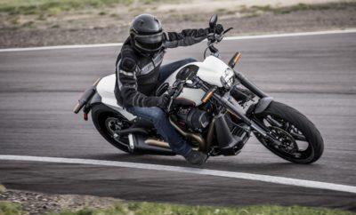 """Το νέο επιθετικό FXDR 114™ κάνει αισθητή την παρουσία του με στυλ που παραπέμπει στους αγώνες dragster, στο πεδίο δηλαδή που η ροπή φτάνει στην άσφαλτο με τον πλέον εκκωφαντικό τρόπο και η αδρεναλίνη ξεχειλίζει. · Είναι εφοδιασμένο με τον υψηλής ροπής κινητήρα 114ci Milwaukee-Eight V-twin · Διαθέτει πλαίσιο Softail®, ελαφρύ ψαλίδι αλουμινίου και τροχούς αλουμινίου · Η ευρεία χρήση σύνθετων υλικών συμβάλλει στη μείωση του συνολικού βάρους Το ολοκαίνουριο Harley-Davidson® FXDR™ 114 συνδυάζει το άκρως επιθετικό στυλ dragster με την αιχμή της τεχνολογίας. Είναι ένα ασυμβίβαστο power cruiser που ανεβάζει τις επιδόσεις σε νέο επίπεδο και δίνει νέα δυναμική στη γκάμα της Harley-Davidson. Συνδυάζει την ασύγκριτη ροπή του κινητήρα Milwaukee-Eight® 114 με την ευρεία χρήση εξαρτημάτων από αλουμίνιο και σύνθετα υλικά, που συμβάλλουν στη μείωση του συνολικού βάρους της μοτοσυκλέτας. Το αποτέλεσμα είναι αύξηση της απόδοσης σε όλα τα επίπεδα. Το FXDR 114 είναι το δέκατο μοντέλο της Harley-Davidson που βασίζεται στην πλατφόρμα Softail® που παρουσιάστηκε το 2018. Είναι επίσης το πιο πρόσφατο μοντέλο από τη γκάμα των 100 μοτοσυκλετών υψηλής απόδοσης, που σκοπεύει να παρουσιάσει το εργοστάσιο μέχρι το 2027. David Latz, Harley-Davidson Lead Product Manager: """"Αυτή η μοτοσυκλέτα είναι πραγματικά απολαυστική στην οδήγηση. Το FXDR 114 περιβάλει το πολύ ανθεκτικό πλαίσιο Softail με την ισχύ του κινητήρα Milwaukee-Eight 114, με υψηλών προδιαγραφών ανάρτηση στον μπροστινό και τον πίσω τροχό, καθώς και με μια ευρεία σειρά από νέα εξαρτήματα και υλικά που συμβάλλουν στη μείωση του συνολικού βάρους. Αυτό είναι ένα power cruiser που παρέχει μοναδική αίσθηση στην οδήγηση και κράτημα που συναρπάζει."""" Brad Richards, Harley-Davidson Vice President of Styling and Design: """"Η εμφάνιση του FXDR 114 εκφράζει τον δυναμικό χαρακτήρα της μοτοσυκλέτας και τονίζει τα προηγμένα τεχνολογικά στοιχεία που το διαφοροποιούν από τα υπόλοιπα μοντέλα Softail. Η dragster επιρροή είναι εμφανής, με το ανεστραμμένο πιρούνι"""