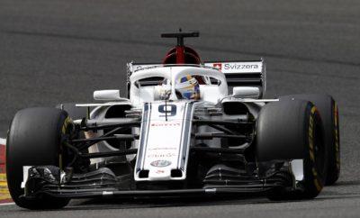 """Ο Marcus Ericsson επέστρεψε στους βαθμούς για λογαριασμό της Alfa Romeo Sauber F1 Team στο 2018 FIA Formula 1 Βελγικό Grand Prix. Ο Σουηδός οδηγός εκκίνησε από την 13η θέση, καλά και είχε σταθερή και δυνατή απόδοση. Έτσι κέρδισε με μάχη την άνοδο στην 10η θέση. Από την άλλη ήταν ένας απογοητευτικός αγώνας για τον Charles Leclerc. Ο Μονεγάσκος οδηγός εκκινούσε από την 12η θέση και υποχρεώθηκε σε εγκατάλειψη καθώς παρασύρθηκε από την σύγκρουση των Niko Hulkenberg, Fernando Alonso στην πρώτη στροφή. Η ομάδα ταξιδεύει τώρα για την Ιταλία όπου θα συμμετέχει την Τετάρτη 29 Αυγούστου στο F1 Festival στο Μιλάνο. Αμέσως μετά θα βρεθούμε στο Διεθνές Αυτοκινητοδρόμιο της Μόντσα για το Ιταλικό Grand Prix. Η Alfa Romeo Sauber F1 Team κατέχει αυτή τη στιγμή την 8η θέση στο Πρωτάθλημα Κατασκευαστών. Ο Charles Leclerc βρίσκεται στην 15η θέση του Πρωταθλήματος Οδηγών και ο Marcus Ericsson στην 17η θέση. Marcus Ericsson (μονοθέσιο Νο 9): C37 (Chassis 04/Ferrari) Αποτέλεσμα: 10ος. Εκκίνησε με τη μαλακή γόμα μετά από 26 γύρους έβαλε τη πολύ μαλακή γόμα. """"Ήταν ένας σχετικά θετικός αγώνας. Είχα μια καλή εκκίνηση, απέφυγα τα προβλήματα και πήρα μερικές σωστές αποφάσεις. Κατά τη διάρκεια του αγώνα είχα μερικές ενδιαφέροντες μονομαχίες. Το μονοθέσιο έδινε καλή αίσθηση και είναι ωραία που τελείωσα το Σαββατοκύριακο αποκομίζοντας ένα βαθμό. Η ομάδα έκανε σπουδαία δουλειά και αυτό μας δίνει κουράγιο για τον επόμενο αγώνα. Πηγαίνουμε στη Μόντσα τώρα, τον εντός έδρας αγώνα για την Alfa Romeo. Θα είναι συναρπαστικό να συναντήσουμε εκεί όλους τους παθιασμένους φιλάθλους, ανυπομονώ να αγωνιστώ ξανά."""" Charles Leclerc (μονοθέσιο Νο 16): C37 (Chassis 02/Ferrari) Αποτέλεσμα: Εγκατέλειψε. Εκκίνησε με τη μαλακή γόμα. """"Είναι απογοητευτικό ότι ο αγώνας μου τελείωσε με τέτοιο τρόπο. Αμέσως μετά την εκκίνηση, παρασύρθηκα από ένα συμβάν μεταξύ δυο άλλων οδηγών και υποχρεώθηκα να εγκαταλείψω. Ανυπομονώ τώρα για το ερχόμενο αγωνιστικό Σαββατοκύριακο στη Μόντσα. Είναι σημαντικός αγώνας για μας, καθότι ο χορηγός """