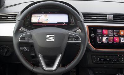Διαθέσιμος ο Ψηφιακός Πίνακας Οργάνων στα SEAT Arona και Ibiza / To Digital Cockpit βελτιστοποιεί την παροχή σημαντικών πληροφοριών στον οδηγό / Το Arona είναι το το πρώτο crossover στη κατηγορία του με ενσωματωμένο Digital Cockpit / Πλέον διαθέσιμο και στην πλατφόρμα MQB A0, μετά τα Leon & Ateca Η SEAT προσθέτει στον προαιρετικό εξοπλισμό των Arona και Ibiza το εξατομικευμένο και πολλαπλών χρήσεων Digital Cockpit προκειμένου να παρέχει στον οδηγό πλήρεις και σαφείς πληροφορίες οδήγησης με έναν ιδιαίτερα μοντέρνο και εντυπωσιακό τρόπο. Το SEAT Arona είναι το πρώτο crossover στην αγορά που επωφελείται εξοπλιστικά από την 10.25 ιντσών διαδραστική και προσαρμόσιμη οθόνη, που από τον Ιανουάριο 2018 περιλαμβάνεται στον προαιρετικό εξοπλισμό και των SEAT Leon και Ateca. Ο ψηφιακός πίνακας οργάνων υψηλής ανάλυσης δεν διαθέτει μόνο σύγχρονη σχεδίαση, αλλά παρέχει μεγαλύτερη λειτουργικότητα, επιτρέποντας στον οδηγό να βλέπει από τις πιο κλασσικές πληροφορίες όπως ταχύμετρο και στροφόμετρο, μέχρι πλήρεις έγχρωμους χάρτες από το σύστημα πλοήγησης. «Είμαστε πλήρως αφοσιωμένοι στο να προσφέρουμε στους πελάτες μας την καλύτερη ποιοτικά σχεδίαση, φέρνοντας την ακρίβεια του κλασσικού μετρητή στον ψηφιακό κόσμο όπου κάθε pixel έχει σχεδιαστεί με την ίδια ακρίβεια», δήλωσε ο Alejandro Mesonero-Romanos, Director of Design SEAT. «Αξιοποιώντας τα πλεονεκτήματα του ψηφιακού κόσμου, αναβαθμίζουμε την εσωτερική σχεδίαση στο επόμενο επίπεδο». Ο έλεγχος των παρεχόμενων πληροφοριών είναι απλός και ο οδηγός χρειάζεται μόνο να πιέσει απλά το κουμπί ελέγχου View που βρίσκεται στο τιμόνι ώστε να περιηγηθεί στις τρείς διαθέσιμες προαιρετικά ψηφιακές απεικονήσεις, ελαχιστοποιώντας την απόσπαση του και μεγιστοποιώντας με σαφήνεια τις παρεχόμενες πληροφορίες ανάλογα με τις ανάγκες του. Επιλογές οθόνης Ο ψηφιακός πίνακας οργάνων διαθέτει τρεις διαφορετικές μορφές απεικόνισης: Classic, Digital και Dynamic View Classic: Η απεικόνιση Classic περιλαμβάνει ταχύμετρο και στροφόμετρο αλλά και άλλα δεδομένα ό