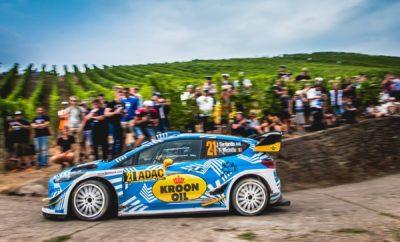 Συμμετέχοντας για πρώτη φορά στην καριέρα του με ένα τελευταίων προδιαγραφών Ford Fiesta WRC και με την υποστήριξη της εργοστασιακής Ford M-Sport, κατάφερε να ολοκληρώσει το πρώτο σκέλος του Ράλλυ Γερμανίας ο Ιορδάνης Σερδερίδης. Το συγκεκριμένο αυτοκίνητο είναι μακράν ότι πιο δυνατό έχει οδηγήσει ο συμπατριώτης μας και φυσιολογικά χρειάστηκε χρόνο και χιλιόμετρα για να προσαρμοστεί στις απαιτήσεις του. «Δυσκολευτήκαμε πολύ στην υπερειδική της Πέμπτης, την πρώτη ειδική του αγώνα. Υποπέσαμε σε λάθος, καθώς χτυπήσαμε με το πίσω μέρος σε κράσπεδο, με αποτέλεσμα να πάθουμε κλατάρισμα και να χάσουμε αρκετά δευτερόλεπτα. Σε συνδυασμό με ένα πρόβλημα στα ηλεκτρικά του Fiesta, χάσαμε την αυτοπεποίθηση μας και μπήκαμε στις ειδικές της Παρασκευής με πεσμένη ψυχολογία.» δήλωσε ο Καβαλιώτης οδηγός μετά τα πρώτα επίσημα αγωνιστικά χιλιόμετρα με το Fiesta WRC. Ο πραγματικός αγώνας για τον Σερδερίδη ξεκινούσε την Παρασκευή, η οποία περιελάμβανε 6 ειδικές διαδρομές και 103 αγωνιστικά χιλιόμετρα: «Μπήκαμε μουδιασμένα στις πρωινές ειδικές, όμως ανεβάσαμε σταδιακά το ρυθμό μας ανακτώντας σιγά σιγά τη χαμένη μας αυτοπεποίθηση. Αποκορύφωμα ο χρόνος μας στην τελευταία ειδική εντός των 15 πρώτων της γενικής κατάταξης που μας γέμισε ικανοποίηση και έδειξε ότι υπάρχουν πολλά περιθώρια βελτίωσης», δήλωσε ο Σερδερίδης. «Θα συνεχίσουμε στον ίδιο ρυθμό και το Σάββατο, στη μεγαλύτερη και πιο δύσκολη ημέρα του αγώνα και ελπίζουμε να ανεβούμε θέσεις στη γενική κατάταξη. Η ειδική της Panzerplatte είναι μια από τις πιο δύσκολες του πρωταθλήματος, απαιτεί συγκέντρωση στο 100% και η εμπειρία μας από τα προηγούμενα Ράλλυ Γερμανίας πιστεύω θα μας βοηθήσει ώστε να την ολοκληρώσουμε με επιτυχία.» ήταν τα λόγια του Ιορδάνη Σερδερίδη που τερμάτισε το πρώτο σκέλος του Ράλλυ Γερμανίας στην 29η θέση της γενικής. Το δεύτερο σκέλος του ένατου γύρου του Παγκοσμίου πρωταθλήματος ράλλυ περιλαμβάνει 8 δοκιμασίες, συνολικού μήκους 150 αγωνιστικών χιλιομέτρων.