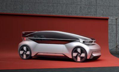 """Το νέο 360c autonomous concept της Volvo Cars: η εναλλακτική του μέλλοντος στα αεροπορικά ταξίδια • Το 360c είναι το πρώτο concept car που δείχνει πώς θα είναι τα ταξίδια στο μέλλον • Ένας αναπάντεχος ανταγωνιστής των αεροπορικών μεταφορών: Το 360c ίσως είναι πιο ελκυστικό από το αεροπλάνο σε εγχώριες μετακινήσεις • Ηλεκτρικό και αυτόνομο, με 4 χρήσεις: καμπίνα ύπνου, κινητό γραφείο, καθιστικό και χώρος ψυχαγωγίας • Εκφράζει το ανθρωποκεντρικό όραμα της Volvo, προβάλλοντας πιθανές μορφές ενός νέου τρόπου ζωής Φανταστείτε έναν κόσμο στον οποίο μπορείτε να ταξιδεύετε σε μακρινές αποστάσεις χωρίς να μεσολαβούν αεροδρόμια, έλεγχοι ασφαλείας, ατελείωτες ώρες στην αναμονή, συνωστισμός στις ουρές και οι θορυβώδεις, στενάχωρες καμπίνες των αεροπλάνων. Αυτό ακριβώς το όραμα για το μέλλον του αυτόνομου ταξιδιού αποκαλύπτει σήμερα η Volvo Cars με το Volvo 360c concept, ένα μέλλον αυτόνομο, ηλεκτρικό, συνδεδεμένο και ασφαλές. Η βάση για το 360c είναι ένα πλήρως αυτόνομο, πλήρως ηλεκτρικό αυτοκίνητο που δεν οδηγείται από άνθρωπο. Το πρωτότυπο εκμεταλλεύεται στο έπακρο την ελευθερία σχεδιασμού που δημιουργείται από την απουσία τιμονιού και κινητήρα εσωτερικής καύσης, κάτι που δίνει τη δυνατότητα εφαρμογής νέων ιδεών για τη διάταξη των καθισμάτων των επιβατών σε σειρές των δύο ή των τριών. Το 360c παρουσιάζει τέσσερις πιθανές χρήσεις των αυτόνομων οχημάτων - ένα περιβάλλον για ύπνο, κινητό γραφείο, καθιστικό και χώρο ψυχαγωγίας - οι οποίες στο σύνολό τους αποτελούν νέες ιδέες για τον τρόπο που ταξιδεύουν οι άνθρωποι. """"Στα χρόνια που έρχονται, η επιχειρηματική δραστηριότητα θα αλλάξει και η Volvo οφείλει να παίξει ηγετικό ρόλο στις αλλαγές που θα σημειωθούν στον κλάδο μας"""", δήλωσε ο Χόκαν Σάμιουελσον (Håkan Samuelsson), Πρόεδρος και CEO της Volvo Cars. """"Η αυτόνομη οδήγηση θα μας επιτρέψει να πραγματοποιήσουμε το επόμενο μεγάλο βήμα στην ασφάλεια, ανοίγει όμως και νέα συναρπαστικά επιχειρηματικά μοντέλα και επιτρέπει στους καταναλωτές να περνούν το χρόνο τους στο αυτοκίνητο κάνοντας"""