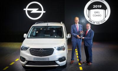 Έκθεση IAA: ο CEO της Opel, Michael Lohscheller παραλαμβάνει το πολυπόθητο βραβείο Κριτική επιτροπή IVOTY: 25 διεθνείς δημοσιογράφοι από 25 Ευρωπαϊκές χώρες Προγενέστεροι κάτοχοι του τίτλου στην Opel: Astra Van το 1999 και Vivaro το 2002 Το νέο Opel Combo Cargo αναδείχτηκε International Van of the Year 2019 (IVOTY), που θεωρείται ο πιο περίοπτος τίτλος στο χώρο των Ελαφρών Επαγγελματικών Οχημάτων (LCV). Απονέμοντας στο Combo 127 βαθμούς, η επιτροπή των 25 εξειδικευμένων δημοσιογράφων από 25 Ευρωπαϊκές χώρες αξιολόγησε το νέο Opel με ξεκάθαρη διαφορά από το δεύτερο στην τελική κατάταξη Mercedes Sprinter (92 βαθμοί). Η υψηλή οδηγική απόλαυση, τα καινοτόμα συστήματα υποστήριξης και η οικονομία του van της Opel, έπαιξαν καθοριστικό ρόλο στην απόφαση, ώστε η πολύτιμη διάκριση να καταλήξει στο Rüsselsheim για τρίτη φορά στην ιστορία του από το 1992. Τον τίτλο έχουν κερδίσει στο παρελθόν για την Opel, το Astra Van το 1999 και το Vivaro το 2002. Το νέο Opel Combo έχει εξελιχθεί στους κόλπους του Groupe PSA και βελτιστοποιήθηκε ώστε να πληροί τις απαιτήσεις της μάρκας. Η απονομή έγινε στα πλαίσια της Έκθεσης Επαγγελματικού Αυτοκινήτου (IAA) στο Αννόβερο. Ο CEO της Opel, Michael Lohscheller παρέλαβε το βραβείο για το Combo από τον Πρόεδρο του IVOTY, Jarlath Sweeney. «Είμαστε πολύ υπερήφανοι γι' αυτό το βραβείο» δήλωσε ο Michael Lohscheller. «Η επιτυχία δείχνει επίσης τις προοπτικές που έχει η Opel στο Groupe PSA. Με το Combo κάνουμε τώρα δυναμική είσοδο στην κατηγορία C-van – όπου μέχρι σήμερα δεν είχαμε ισχυρή παρουσία. Υπάρχει μεγάλο περιθώριο ανάπτυξης για την Opel στην αγορά των LCV. Κατά συνέπεια, το γεγονός ότι αναλάβαμε να δημιουργήσουμε στο Rüsselsheim μία νέα πλατφόρμα LCV για όλο τον όμιλο PSA, αποδεικνύεται ως η πλέον ενδεδειγμένη κίνηση.» Η επιτροπή IVOTY εντυπωσιάστηκε από τα χαρίσματα του Opel Combo: «Οι μηχανικοί και οι σχεδιαστές κατάφεραν, για πρώτη φορά στην ιστορία των LCV, να δημιουργήσουν ένα van σαν multi-brand project, όπου όλες οι μάρκες διατηρούν τις 