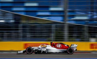"Μετά από έναν εξαιρετικό αγώνα στη Ρωσία όπου η Alfa Romeo Sauber F1 Team πήρε την 7η θέση (Charles Leclerc) και την 13η (Marcus Ericsson), η ομάδα οδεύει προς την Ιαπωνία για τον τελευταίο Ασιατικό αγώνα του 2018. Η εμβληματική πίστα της Σουζούκα διαθέτει μια πολύ τεχνική χάραξη και περίπλοκους συνδυασμούς στροφών. Αποτελεί πρόκληση για τους οδηγούς να βρουν την ιδανική αγωνιστική γραμμή. Παίρνοντας ώθηση από την πρόοδο και τις πρόσφατες επιτυχίες, η Alfa Romeo Sauber F1 Team, προσεγγίζει το Ιαπωνικό Grand Prix με αισιοδοξία και διάθεση για καλή απόδοση. Marcus Ericsson (μονοθέσιο Νο 9): ""Πραγματικά ανυπομονώ για τον επόμενο αγώνα μας στην Ιαπωνία. Η πίστα της Σουζούκα είναι η αγαπημένη μου, πάντα είχα δυνατή απόδοση εκεί. Οι φίλαθλοι είναι πολύ ενθουσιώδεις, είναι σπουδαίο ότι μας ενθαρρύνουν ενόσω οδηγούμε. Έχουμε δυνατό πακέτο προσεγγίζοντας το Σαββατοκύριακο, θα είμαστε ανταγωνιστικοί, ελπίζω λοιπόν ότι θα πετύχουμε καλό αποτέλεσμα και θα πάρουμε και άλλους βαθμούς."" Charles Leclerc (μονοθέσιο Νο 16): ""Είναι η πρώτη φορά που θα οδηγήσω στην πίστα της Σουζούκα. Πρόκειται για μια από τις πιο διάσημες πίστες, ανυπομονώ να ανακαλύψω τις προκλήσεις που θέτει. Είναι πολύ τεχνική πίστα και αρκετά απαιτητική όσον αφορά στις στροφές. Μετά από ένα θετικό Σαββατοκύριακο στη Ρωσία έχουμε τη διάθεση να εξαντλήσουμε τη δυναμική μας, τα ερχόμενα Σαββατοκύριακα. Ανυπομονώ να βρεθώ πάλι στο μονοθέσιο στην Ιαπωνία."" Δεδομένα πίστας: Η πίστα της Σουζούκα είναι σημείο αναφοράς για οδηγούς αλλά και μηχανικούς. Το πρώτο τμήμα διαθέτει στροφές μέσης και υψηλής ταχύτητας διέλευσης όπως και αλλαγές πορείας. Γι' αυτό είναι κρίσιμο μέγεθος το υψηλό αεροδυναμικό φορτίο. Στο δεύτερο τμήμα παίζει σημαντικό ρόλο η σταθερότητα στο φρενάρισμα και η ελκτική πρόσφυση. Επίσης σημαντικό ρόλο παίζει η αεροδυναμική απόδοση του μονοθεσίου. Το τρίτο μέρος είναι το μικρότερο σε απόσταση, ουσιαστικά περιλαμβάνει ένα σικέιν. Διαδρομή Πίστα Σουζούκα/ 5.807 km Απόσταση αγώνα 53 γύροι / 307.741 km Πρόγραμμα"