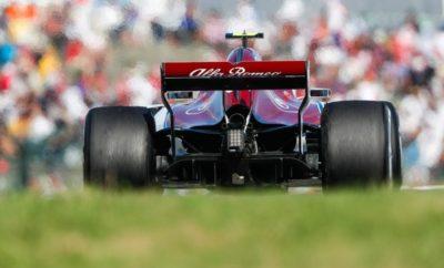 Οι θεατές και οι ομάδες παρακολούθησαν ένα συγκλονιστικό Grand Prix στην επική πίστα της Σουζούκα. Η εκκίνηση ήταν επεισοδιακή και αυτό επηρέασε το τελικό αποτέλεσμα, στον αγώνα του Charles Leclerc. Εκκινούσε από την 10η θέση, ξεκίνησε καλά και έδινε μάχη για να κερδίσει θέσεις όταν μια επαφή με τον Kevin Magnussen στο δεύτερο γύρο προκάλεσε ζημιά στο μονοθέσιο, οριοθετώντας τον αγώνα του. Αμέσως μετά ο Leclerc πραγματοποίησε ένα πρόωρο πιτ στοπ κατά τη διάρκεια της εμφάνισης του αυτοκινήτου ασφαλείας. Εκεί η ομάδα άλλαξε το ρύγχος του μονοθεσίου. Μετά δούλεψε σταθερά ώστε να κερδίσει θέσεις στο μέσο της κατάταξης. Δυστυχώς ένα μηχανικό πρόβλημα στο μονοθέσιο του Charles Leclerc, τον οδήγησε σε εγκατάλειψη στον 39ο γύρο. Ο Marcus Ericsson επίσης εκκίνησε καλά και κατάφερε να κερδίσει θέσεις από το πίσω μέρος, ώστε να βρεθεί στη μάχη, του μέσου της κατάταξης. Τερμάτισε τελικά 12ος έχοντας καλή εμφάνιση στο Ιαπωνικό Grand Prix Formula 1 2018. H Alfa Romeo Sauber F1 Team κοιτά τώρα προς τον επόμενο αγώνα που θα διεξαχθεί στις ΗΠΑ, αδημονούμε να δώσουμε μάχη για ένα καλό αποτέλεσμα εκεί. Marcus Ericsson (μονοθέσιο Νο 9): C37 (Chassis 03/Ferrari) Αποτέλεσμα: 12ος. Εκκίνησε με τη μαλακή γόμα και μετά από 5 γύρους έβαλε τη μέση γόμα. «Ξέραμε ότι θα είναι ένας δύσκολος αγώνας λαμβάνοντας υπόψη ότι εκκινούσα από την 20η θέση. Το ότι τερμάτισα 12ος είναι ένα ικανοποιητικό αποτέλεσμα. Είχαμε καλό ρυθμό και το μονοθέσιο έδινε καλή αίσθηση. Οδήγησα με το ίδιο σετ ελαστικών στο μεγαλύτερο μέρος του αγώνα, αυτό απαιτούσε συνεχή διαχείριση από την πλευρά μου. Είναι κρίμα ότι δεν εκκίνησα από καλύτερη θέση στον αγώνα, καθώς είχαμε πιθανότητες για βαθμούς. Παραταύτα ήταν μια θετική μέρα, ανυπομονώ για την επόμενη ευκαιρία στο Ώστιν.» Charles Leclerc (μονοθέσιο Νο 16): C37 (Chassis 02/Ferrari) Αποτέλεσμα: Εγκατέλειψε. Εκκίνησε με τη μαλακή γόμα και μετά από 4 γύρους έβαλε τη μέση γόμα. Στον 35ο γύρο έβαλε τη μαλακή γόμα «Ήταν ένας διασκεδαστικός αγώνας παρότι δεν τελείωσε με τον τρόπο