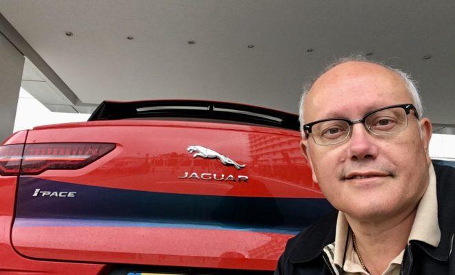 πρεμιέρα της Jaguar I-PACE! Το πρώτο ηλεκτρικό SUV της Jaguar, η εντυπωσιακή I-PACE έκανε την πρώτη της γνωριμία με το ελληνικό αυτοκινητιστικό κοινό σε ένα μοναδικό event στον χώρο του Sofitel Athens Airport την Παρασκευή 28/9. Οι προσκεκλημένοι, διακεκριμένα στελέχη Ελληνικών και Πολυεθνικών Επιχειρήσεων και Στελέχη των Εταιρειών Διαχείρισης Στόλων Αυτοκινήτων είχαν την ευκαιρία να παρακολουθήσουν μια πλήρη παρουσίαση του νέου μοντέλου, αλλά και να το οδηγήσουν, διαπιστώνοντας στην πράξη ότι η νέα Jaguar I-PACE συνδυάζει ιδανικά την τεχνολογία αιχμής, την εντυπωσιακή αυτονομία, τις κορυφαίες επιδόσεις και τη σχεδιαστική τελειότητα!