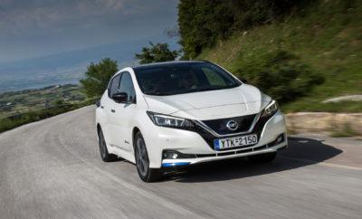 """το νέο Nissan LEAF, οδηγεί την κούρσα πωλήσεων των ηλεκτροκίνητων αυτοκινήτων στην Ευρώπη. Ένα χρόνο από τότε που διατέθηκε στην αγορά της Ευρώπης, το νέο Nissan LEAF δείχνει το δρόμο στην ηλεκτροκίνηση, με 26.000 αυτοκίνητα να έχουν ήδη παραδοθεί στους νέους τους κατόχους και να κυκλοφορούν στους Ευρωπαϊκούς δρόμους. Το βραβευμένο LEAF βρίσκεται στη κορυφή των πωλήσεων στην κατηγορία EV για κάθε μήνα, στο οκτάμηνο του τρέχοντος έτους, με ένα αυτοκίνητο να πωλείται κάθε 10 λεπτά σε ολόκληρη την Γηραιά Ήπειρο. Η μεγάλη αύξηση των πωλήσεων του νέου LEAF, υπήρξε χαρακτηριστική σε ολόκληρη την Ευρώπη και ειδικά σε Αυστρία, Γαλλία, Γερμανία, Ολλανδία, Πορτογαλία και Ισπανία. Αξίζει να σημειωθεί ότι στη Νορβηγία, το Nissan LEAF έρχεται πρώτο σε πωλήσεις για το 2018 (μέχρι στιγμής), ξεπερνώντας όλα τα ηλεκτροκίνητα μοντέλα, αλλά και τα μοντέλα που κινούνται με κινητήρα εσωτερικής καύσης. Αντίστοιχη εικόνα παρουσιάζεται και στην αγορά B2B, όπου οι εταιρικοί χρήστες αγκαλιάζουν την ηλεκτροκίνηση, καθώς πάνω από 8.000 LEAF, έχουν παραδοθεί σε εταιρικούς στόλους, σε όλη την Ευρώπη. Το νέο Nissan LEAF βασίζεται στα """"ταλέντα"""" του προκατόχου του, διαθέτοντας την τελευταίας γενιάς τεχνολογία του Nissan Intelligent Mobility και την αξιοπιστία ασφαλείας που προσφέρουν τα πέντε αστέρια του Euro NCAP, σύμφωνα με τα τελευταία πρότυπα δοκιμών. Η προηγμένη τεχνολογία υποστήριξης οδήγησης του Nissan LEAF, το ProPILOT και το ProPILOT Park, καθιστούν ξεκούραστη την οδήγηση σε βεβαρυμμένη κυκλοφορία και αντίστοιχα πανεύκολη την στάθμευση. Το πρωτοποριακό e-Pedal φέρνει δίνει μια νέα διάσταση στην οδήγηση, ενθουσιάζοντας τους οδηγούς και προσφέροντάς τους τη δυνατότητα να επιταχύνουν και να επιβραδύνουν, χρησιμοποιώντας μόνο ένα πεντάλ. Ο Gareth Dunsmore, διευθυντής ηλεκτρικών οχημάτων της Nissan Europe, δήλωσε: """"Καθώς το ενδιαφέρον για τα ηλεκτροκίνητα οχήματα συνεχίζει να αυξάνεται, έχουμε εξασφαλίσει ότι η ευκαιρία για να ζήσουμε την εμπειρία απόκτησης ενός νέου μοντέλου LEAF, είναι πιο πρ"""