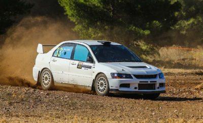 Θέαμα στην Πίστα της Χαλκίδας! Την Κυριακή 21 Οκτωβρίου, η πίστα που βρίσκεται στη θέση ΠΕΪ Δοκού Χαλκίδος θα φιλοξενήσει τον τέταρτο γύρο του Timed Rally Challenge και συνάμα τον τρίτο γύρο του EKO Racing Dirt Games, σε έναν αγώνα που διοργανώνεται από το Αγωνιστικό Σωματείο Μηχανοκίνητου Αθλητισμού (ΑΣΜΑ). Στο πλευρό των οργανωτών θα βρίσκεται η Περιφέρεια Στερεάς Ελλάδος, η Περιφερειακή Ενότητα Ευβοίας, ο Δήμος Χαλκιδέων και ο Δημοτικός Οργανισμός Άθλησης Πολιτισμού Περιβάλλοντος Χαλκίδας (Δ.Ο.Α.Π.ΠΕ.Χ.). Αρωγός της προσπάθειας θα είναι και το MyKteo Όμιλος Θαλάσση. Ο αγώνας που πραγματοποιείται για τρίτη συνεχή χρονιά, αφορά τόσο αγωνιστικά αυτοκίνητα των κατηγοριών Ν-Α-Ε-R, Ιστορικά αυτοκίνητα, οχήματα 4x4, crosskart, καθώς και ελληνικές χωμάτινες φόρμουλες. Ο Διοικητικός και Τεχνικός Έλεγχος των αυτοκινήτων θα πραγματοποιηθεί το πρωί της Κυριακής 21 Οκτωβρίου, από τις 08.30 έως τις 10.00 στην πίστα που βρίσκεται στη θέση ΠΕΪ Δοκού Χαλκίδος. Στη συνέχεια και κατόπιν της υποχρεωτικής ενημέρωσης των αγωνιζομένων, θα ξεκινήσει η διαδικασία των χρονομετρημένων γύρων (ώρα 10.30). Σκοπός του κάθε αγωνιζομένου είναι να καλύψει τη χρονομετρημένη διαδρομή (τέσσερεις γύρους) στο μικρότερο χρόνο πραγματοποιώντας τέσσερεις (4) χρονομετρημένους γύρους όπου θα μετρηθεί το άθροισμα των τριών καλύτερων γύρων. Ο νικητής προκύπτει από την πραγματοποίηση του καλύτερου συνολικού χρόνου που προκύπτει από τους 3 γύρους. Σε περίπτωση που κάποιος δεν τερματίσει σε ένα σκέλος, έχει το δικαίωμα να συμμετάσχει στα υπόλοιπα. Το μήκος της πίστας ΠΕΪ Δοκού Χαλκίδος είναι 2300 μέτρα. Ο αγώνας αποτελεί μιας πρώτης τάξεως ευκαιρία για να απολαύσει κανείς αγωνιστική οδήγηση σε ασφαλείς συνθήκες και με χαμηλό κόστος. Οι δηλώσεις συμμετοχής που γίνονται αποκλειστικά μέσω του ΣΔΔΑ της ΟΜΑΕ έχουν ήδη ξεκινήσει και θα ολοκληρωθούν την Παρασκευή 12 Οκτωβρίου στις 20.00. Για περαιτέρω πληροφορίες επικοινωνήστε με το τηλ. 210 8087267, e-mail: agonistiko.auto@gmail.com.