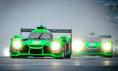 """Η αγωνιστική ομάδα της ESM, σε συνεργασία με τη Nissan, επιδιώκει να επαναλάβει τη νίκη στο Petit Le Mans. H ESM που τροφοδοτείται από το κινητήριο σύνολο της Nissan, θα επιδιώξει να επαναλάβει την νίκη της στο Petit Le Mans αυτή την εβδομάδα, στο πλαίσιο του πρωταθλήματος IMSA WeatherTech SportsCar - Petit Le Mans, στην πίστα του Road Atlanta. Πέρυσι, οι Ryan Dalziel και Scott Sharp που βρέθηκαν στη δεύτερη θέση της κανονικής σεζόν και σε συνεργασία με το Brendon Hartley, κατέλαβαν το πρώτο σκαλοπάτι του βάθρου, μετά από έναν εντυπωσιακό αγώνα 10 ωρών. Το No. 22 αυτοκίνητο των Pipo Derani, Johannes van Overbeek και Bruno Senna βρέθηκε στην τέταρτη θέση. Η ομάδα κατευθύνεται με ακμαίο ηθικό στον αγώνα του ερχόμενου Σαββατοκύριακου, με το Νο. 22 να έχει κερδίσει τον προηγούμενο γύρο του WeatherTech Raceway στην Laguna Seca. Επιπλέον, η ομάδα No. 22 με τον συνοδηγό στο Petit Le Mans Timo Bernhard, έχει ένα επιπλέον κίνητρο για νίκη, καθώς ο Johannes van Overbeek ανακοίνωσε ότι θα αποσυρθεί από τους επαγγελματικούς αγώνες, στο τέλος της σεζόν. """"Επειδή αυτός είναι ο τελευταίος αγώνας της επαγγελματικής μου καριέρας, αδημονώ να τον απολαύσω με όλη μου την εμπειρία"""", δήλωσε ο van Overbeek. """"Μπορώ μόνο να ελπίζω ότι θα είμαστε τόσο ανταγωνιστικοί φέτος, όσο και πέρυσι."""" Καθώς εδώ και καιρό ο van Overbeek αποτελεί ένα σημαντικό κομμάτι στην ιστορία του Αμερικανικού μηχανοκίνητου αθλητισμού, ένας νέος οδηγός θα κάνει το ντεμπούτο του στις ΗΠΑ με την ομάδα ESM. Συγκεκριμένα, ο Γάλλος Norman Nato θα ενώσει τις δυνάμεις του με τον Dalziel και τον Sharp με το Νο.2, στο Road Atlanta. O Nato έχει πλούσια αγωνιστική εμπειρία στην Ευρώπη και επί του παρόντος κατέχει την τρίτη θέση στο Ευρωπαϊκό πρωτάθλημα του Mans. """"Είναι πάντα ωραίο το συναίσθημα όταν αγωνίζεσαι σε έναν από τους μεγαλύτερους αγώνες στις ΗΠΑ, αλλά είναι ακόμα πιο όμορφο να γνωρίζεις ότι το κάνεις σε συνεργασία με μια νικηφόρα ομάδα"""", δήλωσε ο Nato. """"Είναι η πρώτη φορά που αγωνίζομαι στις Η.Π.Α., αλλά αυτή η χρονιά ε"""