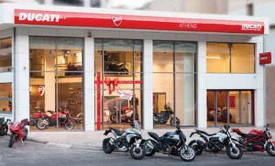 Εορταστικό Bazaar της Ducati για είδη ένδυσης - εξοπλισμού αναβάτη • Εορταστικό Bazaar από το Ducati Athens, στις εγκαταστάσεις του στο Νέο Κόσμο • Είδη ένδυσης και εξοπλισμού αναβάτη, με την εγγύηση της Ducati • Έκπτωση που φτάνει έως και 80% για είδη περασμένων ετών ενώ ειδικά για την ημέρα του Bazaar, όλη η συλλογή του 2019 προσφέρεται με έκπτωση 15% • Ιδανική ευκαιρία για επιλογή δώρων εν όψει εορτών • Αποκλειστικά το Σάββατο 8 Δεκεμβρίου, ώρες λειτουργίας 10.00-18.00 Το Ducati Athens διοργανώνει εορταστικό Bazaar σε είδη ένδυσης - εξοπλισμού αναβάτη, με την εγγύηση γνησιότητας Ducati, το Σάββατο 8 Δεκεμβρίου. Το Bazaar, που αποτελεί και ιδανική ευκαιρία επιλογής δώρων εν όψει εορτών, θα πραγματοποιηθεί στις εγκαταστάσεις του Ducati Athens, στο Νέο Κόσμο. Μεγάλη γκάμα από γνήσια είδη ένδυσης - εξοπλισμού αναβάτη, είδη ένδυσης casual (ανδρικά, γυναικεία, παιδικά) καθώς και αξεσουάρ (καπέλα, γυαλιά, ρολόγια, κούπες) και πολλά άλλα, θα είναι διαθέσιμα με έκπτωση που φτάνει έως και 80%. Διαθέσιμη θα είναι και ολόκληρη η collection του 2019, που ειδικά για την ημέρα του Bazaar θα προσφέρεται με έκπτωση 15%. Για περισσότερες πληροφορίες, οι ενδιαφερόμενοι μπορούν να επικοινωνήσουν με το Ducati Athens στο 210 9981199 ή στο customercare@kosmocar.gr . Το Ducati Athens βρίσκεται στην Καλλιρόης 9, στο Νέο Κόσμο. Ώρες λειτουργίας του Bazaar, 10.00-18.00.