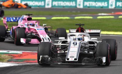 """Καθότι απομένουν πλέον μόνο δυο Grand Prix, η Alfa Romeo Sauber F1 Team οδεύει προς τους τελευταίους γύρους με αυτοπεποίθηση και προσήλωση. Μετά τον διπλό τερματισμό στους βαθμούς και την άνοδο στην 8η θέση του πρωταθλήματος Κατασκευαστών στο Μεξικάνικο Grand Prix, η ομάδα πηγαίνει στη ανανεωμένη πίστα του Ιντερλάγος με στόχο να πάρει περισσότερους βαθμούς. Η ενδιαφέρουσα χάραξη της πίστας με μεγάλες ευθείες και ενδιαφέροντες συνδυασμούς στροφών απαιτεί από ομάδες και οδηγούς να βελτιστοποιήσουν την απόδοση και το ζύγισμα των μονοθεσίων τους. Ο καιρός μπορεί επίσης να παίξει καθοριστικό ρόλο στο αποτέλεσμα αυτού του αγωνιστικού Σαββατοκύριακου. Ο Antonio Giovinazzi θα οδηγήσει στο FP1 για την Alfa Romeo Sauber F1 Team, στο Σάο Πάολο, στη θέση του Marcus Ericsson. Marcus Ericsson (μονοθέσιο Νο 9): """"Φτάνουμε στη Βραζιλία με καλή ψυχολογία μετά από ένα δυνατό Σαββατοκύριακο στο Μεξικό όπου είχαμε και τα δυο μονοθέσια στο Q3 και στους βαθμούς. Η αυτοπεποίθησή μας είναι υψηλή και θα παλέψουμε σκληρά για να διατηρήσουμε την καλή μας φόρμα. Η πίστα στο Σάο Πάολο είναι κλασσική. Έχω βρεθεί εκεί μερικές φορές, είναι πάντα διασκεδαστικό να την οδηγείς. Ο γύρος είναι μικρός σε απόσταση, οπότε οι διαφορές στους χρόνους ανάμεσα στις ομάδες είναι αντίστοιχα μικρές, αυτό αποτελεί πρόκληση. Ο καιρός είναι ευμετάβλητος και πάντοτε παίζει σημαντικό ρόλο. Θέλω να τελειώσω τη σεζόν με θετικά αποτελέσματα και να κάνω την καλύτερη δυνατή δουλειά."""" Charles Leclerc (μονοθέσιο Νο 16): """"Πάμε προς τη Βραζιλία για τον έναν από τους δυο τελευταίους αγώνες της σεζόν. Μετά το σπουδαίο αποτέλεσμα που πετύχαμε στο Μεξικό όπου βαθμολογήθηκαν και τα δυο μονοθέσια έχουμε αυτοπεποίθηση για τη δυναμική μας. Θα συνεχίσουμε με αφετηρία την πρόοδο που έχουμε σημειώσει ως τώρα. Θα δώσουμε μάχη για ένα ακόμη καλό αποτέλεσμα στο Ιντερλάγος και θα κάνουμε ότι μπορούμε να ολοκληρώσουμε θετικά τη σεζόν. Είναι μια ενδιαφέρουσα από άποψη οδήγησης πίστα, ανυπομονώ ν' αγωνιστώ εκεί."""" Δεδομένα πίστας: Η παραδοσιακή π"""