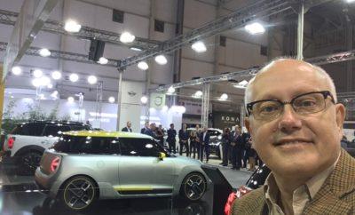 Νέο ρεκόρ επισκεπτών στη μοναδική έκθεση αυτοκινήτου Τρίτη, 13 Νοεμβρίου 2018 Μεγάλο είναι το ενδιαφέρον των φίλων του αυτοκινήτου και της τεχνολογίας για την έκθεση αυτοκινήτου «ΑΥΤΟΚΙΝΗΣΗ ΕΚΟ 2018». Την Παρασκευή 9 Νοεμβρίου - ημέρα των εγκαινίων και το Σαββατοκύριακο 10-11 Νοεμβρίου, ο αριθμός των επισκεπτών ξεπέρασε τις 33.000. Η προσέλευση των επισκεπτών θυμίζει τις εποχές που η αγορά του αυτοκινήτου έκανε ρεκόρ πωλήσεων. Το ενδιαφέρον των επισκεπτών έχουν καταγράψει και οι εκπρόσωποι των εισαγωγέων αντιπροσώπων αυτοκινήτων που συμμετέχουν στη φετινή διοργάνωση. Οι επισκέπτες θέλουν να ενημερωθούν για τα τελευταία μοντέλα, τις νέες εκδόσεις, τη τεχνολογία και τις προωθητικές ενέργειες που εφαρμόζουν οι εταιρείες. Ήδη οι εκπρόσωποι των εταιρειών έχουν πάρει παραγγελίες για σημαντικό αριθμό αυτοκινήτων ενώ εκτιμούν ότι τις επόμενες ημέρες θα αυξηθεί ο αριθμός των παραγγελιών. Ένα ακόμη στοιχείο που αξίζει να τονισθεί είναι ότι οι υποψήφιοι αγοραστές ενδιαφέρονται για τις πιο πλούσιες εκδόσεις των αυτοκινήτων που επιλέγουν. Η αύξηση των πωλήσεων των καινούργιων αυτοκινήτων τον Οκτώβριο κατά 13% καθώς και η αύξηση του όγκου των πωλήσεων στο δεκάμηνο Ιανουάριου – Οκτωβρίου 2018 κατά 19,8 %, σε σχέση με το αντίστοιχο περσινό διάστημα, επιβεβαιώνει το ενδιαφέρον των οδηγών για την απόκτηση ενός καινούργιου και ασφαλούς αυτοκινήτου, με περιορισμένους ρύπους. Η φετινή «ΑΥΤΟΚΙΝΗΣΗ ΕΚΟ 2018» είναι αναβαθμισμένη, έχουν προστεθεί 1500τ.μ εκθεσιακού χώρου για να φιλοξενηθούν περισσότερες εισαγωγικές αντιπροσωπείες. Η έκθεση θα παραμείνει ανοιχτή έως την Κυριακή 18 Νοεμβρίου. Έχει εξασφαλιστεί μεγάλος χώρος για δωρεάνparking. Το εισιτήριο είναι στα 6 ευρώ. Δωρεάν είναι η είσοδος για τα παιδιά που συνοδεύονται από τους γονείς τους (έως και 12 ετών). Για τους ανέργους και τους φοιτητές το εισιτήριο είναι 3 ευρώ. Ώρες Λειτουργίας: Δευτέρα-Παρασκευή 15:00 – 21:00 Σάββατο-Κυριακή 10:00 – 21:00