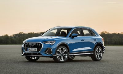 Η Audi ανακοινώνει τις τιμές των νέων Q3 και A1 • Η Kosmocar-Audi ανακοινώνει τις τιμές νέων Audi Q3 και A1 λίγο πριν την άφιξη των δύο μοντέλων στην Ελλάδα • Από € 32.900 το νέο Audi Q3 στην έκδοση 35 TFSI, με κινητήρα 1.5 lt, ισχύος 150 ίππων, με πλούσιο επίπεδο εξοπλισμού • Από € 19.950 το νέο Audi Α1 στην έκδοση 25 TFSI, με κινητήρα 1.0 lt, ισχύος 95 ίππων, με πλούσιο επίπεδο εξοπλισμού • Με την ανακοίνωση των τιμών τα Α1 και Q3 είναι άμεσα διαθέσιμα για παραγγελία ενώ έχει ήδη καταγραφεί σημαντικός αριθμός προπαραγγελιών, δείγμα του έντονου ενδιαφέροντος Η πολύμηνη αναμονή φτάνει στο τέλος της! Μέχρι το τέλος του έτους, τα ολοκαίνουργια Audi Q3 και Audi A1, τα δύο περισσότερο αναμενόμενα μοντέλα του 2018, θα βρίσκονται στην Ελλάδα! Παράλληλα, η Kosmocar-Audi ανακοινώνει τις προτεινόμενες τιμές λιανικής για το μεσαίο SUV και το compact sportback, αντίστοιχα. Και ενώ πλέον η παραγγελιοληψία ξεκινά επίσημα, είναι χαρακτηριστικό ότι το δίκτυο της Audi έχει ήδη δεχθεί προπαραγγελίες – με σχετική λίστα προτεραιότητας – και για τα δύο μοντέλα, δείγμα του μεγάλου ενδιαφέροντος και της φήμης που έχουν εξασφαλίσει στα μοντέλα οι προηγούμενες γενιές τους. Το νέο Audi Q3, στη δεύτερη πλέον γενιά του, επιστρέφει πιο εντυπωσιακό και ολοκληρωμένο από ποτέ! Δεν είναι μόνο η εξωτερική εμφάνιση, αλλά το συνολικό πακέτο, που ενθουσιάζει. Με συστήματα και λειτουργίες από μεγαλύτερες κατηγορίες, πάντα στην υπηρεσία του οδηγού όταν παρκάρει, όταν κινείται στην πόλη ή ταξιδεύει στον αυτοκινητόδρομο. Με σύστημα τετρακίνησης quattro για τις εκτός δρόμου αποδράσεις. Με εξαιρετική χρηστικότητα χάρη στους μεγάλους χώρους και τις αμέτρητες πρακτικές διευκολύνσεις. Όπως και τα κορυφαία μοντέλα της Audi, το νέο Q3 διαθέτει ψηφιακό κόκπιτ και ένα προηγμένο σύστημα MMI με οθόνη αφής, ενώ μοναδικά είναι τα επίπεδα άνεσης που προσφέρει, χάρη στην εξελιγμένη ανάρτηση. Το νέο Audi Q3 διατίθεται από € 32.900. Η τιμή αυτή αφορά την έκδοση 35 TFSI, με το βενζινοκινητήρα 1.5 λίτρου, 150 ίππων και μηχα