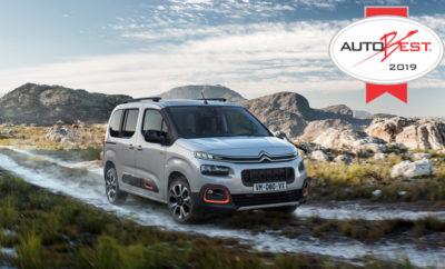 """• Το Νέο Citroën Berlingo κατέκτησε τον τίτλο του """"Καλύτερου Αυτοκινήτου για την Ευρώπη"""" (""""BEST Buy Car of Europe"""") από το Autobest για το 2019 • Το βραβείο είναι αποτέλεσμα συγκριτικής δοκιμής μεταξύ 6 ανταγωνιστικών μοντέλων • Ο τίτλος αυτός απονέμεται στο μοντέλο που θεωρείται από την κριτική επιτροπή ως η καλύτερη αγορά για το 2019. Η 3η γενιά του Citroën Berlingo, του μοντέλου που """"δημιούργησε"""" την κατηγορία των οικογενειακών αυτοκινήτων αναψυχής παραμένει η πιο """"hot"""" επιλογή για όσους επιθυμούν να καλύπτουν μεγάλο εύρος αναγκών, με ένα αυτοκίνητο • Το Νέο Citroën Berlingo υιοθετεί μοντέρνα σχεδίαση, σύμφωνη με την εταιρική σχεδιαστική ταυτότητα της Μάρκας. Παράλληλα, παρέχει ακόμα περισσότερη άνεση και πρακτικές λύσεις, προσφέροντας στην υπηρεσία του οδηγού, 20 νέες τεχνολογίες που συντελούν στις ασφαλέστερες μετακινήσεις Μετά την απονομή του βραβείου MANBEST 2018 (MANAGE BEST) στη CEO της Citroën, Linda Jackson, η κριτική επιτροπή του Autobest ανακήρυξε το Citroën Berlingo ως """"Καλύτερο Αυτοκίνητο για την Ευρώπη"""" (Best Buy Car of Europe). Όπως κάθε χρόνο, από το 2001 έτσι και φέτος, η επιτροπή του Autobest αναγνώρισε το αυτοκίνητο που έλαβε το μεγαλύτερο αριθμό ψήφων από δημοσιογράφους προερχόμενους από 31 χώρες. Τα αυτοκίνητα αξιολογούνται με βάση 13 κριτήρια που έχουν να κάνουν με τη σχέση αξίας-τιμής, τη σχεδίαση, την άνεση και τις τεχνολογίες που προσφέρουν καθώς επίσης και με την ποιότητα των υπηρεσιών, αλλά και με τη διαθεσιμότητα των ανταλλακτικών στο δίκτυο λιανικής. Με αφορμή την ανακήρυξη του νέου Berlingo ως """"Καλύτερο Αυτοκίνητο για την Ευρώπη"""", ο κος Δημήτρης Καββούρης, Chief Operating Officer της Citroen, σχολίασε: """"Είναι η πρώτη φορά στην ιστορία του Autobest που το συγκεκριμένο βραβείο (Best Buy Car of Europe) απονέμεται στον ίδιο κατασκευαστή για δύο συνεχόμενες χρονιές. Ο περσινός νικητής ήταν το Citroën C3 Aircross Compact SUV. Φέτος, το Νέο Citroën Berlingo κατάφερε να ξεχωρίσει από τους αντιπάλους του ακολουθώντας την ίδια λογική εξέλιξης. """