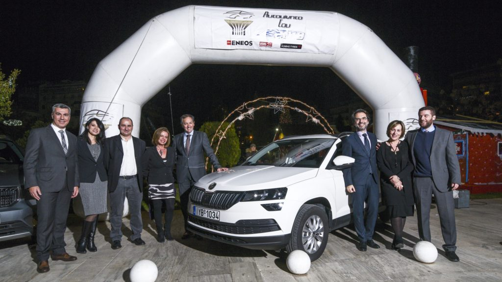 Oι δημοσιογράφοι μέλη του ανεξάρτητου δημοσιογραφικού θεσμού «Αυτοκίνητο της Χρονιάς για την Ελλάδα» επέλεξαν το Skoda Karoq ως «Αυτοκίνητο του 2019». Η επιλογή έγινε για δεύτερη χρονιά με ανοιχτή ψηφοφορία, σύμφωνα με την οποία κάθε μέλος του θεσμού κατένειμε ένα σύνολο 100 βαθμών στα 10 αυτοκίνητα που συμμετείχαν στην ψηφοφορία. Τα 10 αυτοκίνητα είχαν περάσει στην τελική φάση κατά τη διαδικασία προεπιλογής (η οποία επίσης πραγματοποιείται με ψηφοφορία) από 23 νέα μοντέλα τα οποία παρουσιάστηκαν κατά το προηγούμενο 12μηνο στην ελληνική αγορά. Τα αυτοκίνητα της τελικής φάσης ήταν (με αλφαβητική σειρά) τα Citroen C3 Aircross, Dacia Duster, Ford Focus, Hyundai Kona, Kia Ceed, Mercedes A-Class, Seat Arona, Skoda Karoq, Volvo XC40, VW T-Roc.