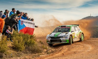 Πρωταθλήτρια για 4η συνεχόμενη φορά η SKODA Fabia R5! • Μετά το 2015, το 2016 και το 2017, η SKODA Motorsport εξασφαλίζει και πάλι, για 4η συνεχόμενη χρονιά τον τίτλο στο Πρωτάθλημα Κατασκευαστών της WRC 2 • Για τρίτη συνεχόμενη χρονιά εργοστασιακό πλήρωμα της SKODA κέρδισε το Πρωτάθλημα Οδηγών στη WRC 2 • Οι Jan Kopecký - Pavel Dresler, στο τιμόνι μιας SKODA Fabia R5, είχαν φανταστική σαιζόν κερδίζοντας τον τίτλο της κατηγορίας WRC 2 • Δύο ακόμη πληρώματα της SKODA Motorsport, οι Tidemand - Andersson και Rovanperä - Halttunen, συμπλήρωσαν το βάθρο, ολοκληρώνοντας το θρίαμβο για την ομάδα • Τα πληρώματα της SKODA κέρδισαν 11 από τους 12 αγώνες της WRC 2 του Παγκόσμιου Πρωταθλήματος Ράλι 2018 στους οποίους συμμετείχαν • Η εφετινή σαιζόν ήταν ακόμα πιο συναρπαστική για την SKODA Motorsport, μια και σε αντίθεση με τα προηγούμενα χρόνια, υπήρχαν περισσότεροι από ένας υποψήφιοι για τον τίτλο, μέσα από την ίδια ομάδα • Το 2018, η SKODA Fabia R5 ήταν η κυρίαρχη δύναμη τόσο στην WRC 2 όσο και σε διάφορα εθνικά και περιφερειακά πρωταθλήματα στον κόσμο, κερδίζοντας πολλά από αυτά • Σύμφωνα με τους ίδιους τους αγωνιζόμενους, η SKODA Fabia R5 πρωταγωνιστεί γιατί είναι ο ιδανικός συνδυασμός αξιοπιστίας και ταχύτητας σε κάθε επιφάνεια • Απολαύστε ένα εντυπωσιακό οδοιπορικό προς τον τίτλο μέσα από την «ταινία μικρού μήκους»: https://www.SKODA-storyboard.com/en/press-kits/SKODA-defends-wrc-2-title-again/attachment/wrc2-season-2018/ [ το video διαθέσιμο για download εδώ: https://we.tl/t-oM58wBqQIx ] Η WRC 2, η κατηγορία του Παγκοσμίου Πρωταθλήματος Ράλι στην οποία συμμετέχουν αυτοκίνητα προδιαγραφών R5, έχει εξελιχθεί τα τελευταία χρόνια σε ιδιαίτερα ανταγωνιστική υπόθεση. Η παρουσία κορυφαίων αυτοκινήτων αλλά και πληρωμάτων, την έχει καταστήσει πέρα από δημοφιλή και ιδιαίτερα απαιτητική, με τη νίκη ακόμα και σε ένα μόνο αγώνα να αποτελεί πραγματικό άθλο για πλήρωμα και ομάδα και τίτλο τιμής για το αυτοκίνητο. Αν όμως όλα τα παραπάνω, αποτελούν άξιο μνείας γεγονός, τότε πώς θα μπορο