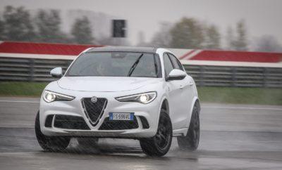 ο σύστημα Q4, το οποίο εξελίχθηκε για τις Alfa Romeo Giulia και Stelvio, αποτελεί ένα από πιο προηγμένα συστήματα τετρακίνησης σε όλο τον κόσμο. Εκτός από τα υψηλά επίπεδα ασφάλειας που προσφέρει, κύριο χαρακτηριστικό του είναι η οδηγική απόλαυση, στοιχείο που η Alfa Romeo αποφάσισε να αποδείξει μέσω ενός ξεχωριστού video, όπου τα δύο αυτοκίνητα κυριολεκτικά χορεύουν στον πάγο. Η δημιουργία των νέων Alfa Romeo Giulia και Stelvio έφερε στο φως μία σειρά προηγμένων τεχνολογικών συστημάτων, πολλά εκ των οποίων αποτελούν αποκλειστικότητα της Ιταλικής εταιρείας. Στόχος η επίτευξη κορυφαίων επιπέδων άνεσης και ασφάλειας, χωρίς να υπονομεύεται στο ελάχιστο η μοναδική οδηγική απόλαυση που αποτελεί κύριο χαρακτηριστικό του DNA της Alfa Romeo. Q4: Ένα πραγματικό έργο τέχνης Όπως και πολλά άλλα μηχανικά μέρη των Giulia και Stelvio, το σύστημα τετρακίνησης Q4 εξελίχθηκε από λευκό χαρτί, έτσι ώστε να ταιριάξει απόλυτα με τον χαρακτήρα των δύο μοντέλων. Ο προηγμένος σχεδιασμός του και ακόμα περισσότερο ο τρόπος λειτουργίας και η αποτελεσματικότητα του, το καθιστούν ένα πραγματικό μηχανολογικό έργο τέχνης. Βασικό χαρακτηριστικό του είναι ότι συνδυάζει ιδανικά την οδηγική απόλαυση ενός αυτοκινήτου με την κίνηση στους πίσω τροχούς με την ασφάλεια και τη σιγουριά που προσφέρει ένα όχημα με την κίνηση σε όλους τους τροχούς. Η καρδιά του συστήματος είναι το Ενεργό Κιβώτιο Μεταφοράς Ροπής (ATC), το οποίο με βάση τις συνθήκες που καταγράφει και αναλύει σε πραγματικό χρόνο (επίπεδο πρόσφυσης, εντολές οδηγού, επιτάχυνση, κτλ.), εξασφαλίζει τη μέγιστη απόδοση έχοντας τη δυνατότητα να μεταφέρει έως και το 50% της ροπής στον εμπρόσθιο άξονα. Τα περισσότερα συστήματα τετρακίνησης στην κατηγορία βασίζονται στη μόνιμη μετάδοση ενός ποσοστού ροπής στο εμπρόσθιο άξονα (π.χ. 70% πίσω - 30% εμπρός σε κανονικές συνθήκες) και μόλις υπάρξει απώλεια πρόσφυσης, η διαφορά ταχύτητας ανάμεσα στους δύο άξονες οδηγεί σε διαφορετική κατανομή (π.χ. 50% πίσω - 50% εμπρός). Αντίθετα το σύστημα Q4 της Alfa Romeo ε