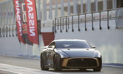 """Η συνεργασία μεταξύ της Nissan και της Italdesign """"επαναδιατυπώνει"""" το Nissan GT-R, ως ένα supercar ειδικής έκδοσης και περιορισμένης παραγωγής, με τα Ηνωμένα Αραβικά Εμιράτα να αποτελούν τον τελευταίο προορισμό στην παγκόσμια περιοδεία του GT-R50. Το Autodrome του Ντουμπάι, αποτελεί τον τελευταίο προορισμό της παγκόσμιας περιοδείας του εκπληκτικού Nissan GT-R50 της Italdesign, πραγματοποιώντας το ντεμπούτο του στη Μέση Ανατολή. """"Συνεχίζοντας τη μακρά και περήφανη κληρονομιά στο μηχανοκίνητο αθλητισμό, στη Μέση Ανατολή, είμαστε ενθουσιασμένοι που φέρνουμε το αποκλειστικό GT-R50 σε πελάτες και φίλους του μοντέλου στην περιοχή"""", δήλωσε ο Kalyana Sivagnanam, περιφερειακός αντιπρόεδρος, Marketing και Πωλήσεων της Nissan AMI και πρόεδρος της Nissan Middle East. """"Το GT-R50 της Italdesign είναι ένα GT-R που μας μεταφέρει στο επόμενο επίπεδο, χωρίς συμβιβασμούς στην απόδοση, το στυλ ή τη δεξιοτεχνία. Το GT-R50 ενσαρκώνει με τέλειο τρόπο τη φιλοσοφία της Nissan, αποτελώντας μια εξαιρετικά περιορισμένη και ταυτόχρονα συλλεκτική έκδοση, για εκείνους που θέλουν να κατέχουν το καλύτερο μοντέλο που έχει να προσφέρει η μάρκα"""". Το πρωτότυπο GT-R50 έκανε την παρθενική του εμφάνιση στο Goodwood Festival of Speed στο Ηνωμένο Βασίλειο, πριν ξεκινήσει μια παγκόσμια περιοδεία που περιλάμβανε το Spa-Francorchamps στο Βέλγιο, το Monterey Motorsports Reunion στις Η.Π.Α. και το Nissan Crossing στην Ιαπωνία. Μετά την επιτυχία αυτής της περιοδείας, μια εξαιρετικά περιορισμένη έκδοση, με όχι περισσότερα από 50 αυτοκίνητα για όλο τον κόσμο, θα παραχθεί με βάση αυτό το πρωτότυπο. Βασισμένο στο μοντέλο παραγωγής του Nissan GT-R NISMO του 2019, το μοναδικό αυτό αυτοκίνητο μνημονεύει τις επετείους των 50 ετών τόσο για το GT-R, όσο και για την Italdesign. Αν και το πρωτότυπο όχημα διαθέτει ένα ξεχωριστό χρυσό εσωτερικό στοιχείο που εκτείνεται σε όλο σχεδόν το πλάτος του οχήματος, οι τυχεροί αγοραστές του σπάνιου μοντέλου θα μπορούν να καθορίζουν τους προτιμώμενους συνδυασμούς χρωμάτων για την έκδοση """