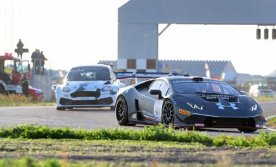 Σε ρυθμό αγώνα Η αγωνιστική χρονιά του 2019 ξεκινάει δυναμικά με τον 1ο αγώνα για το Πανελλήνιο Πρωτάθλημα Ταχύτητας και το Hellenic Time Trial Challenge στο Αυτοκινητοδρόμιο Μεγάρων, στις 2-3 Μαρτίου. Μετά από το εντυπωσιακό φινάλε του περσινού πρωταθλήματος, οι οδηγοί και οι φίλοι του σπορ είναι έτοιμοι να γεμίσουν και πάλι την πίστα των Μεγάρων για την 1η φετινή αγωνιστική συνάντηση, που παράλληλα είναι και η 3η για τη Super Season 2018-2019. Πρόκειται για τον θεσμό που θεσπίστηκε με πρωτοβουλία της Ελληνικής Λέσχης Αυτοκινήτου Δυτικής Αττικής και θα αναδείξει τον Υπερπρωταθλητή κάθε κατηγορίας, με τους νικητές να κερδίζουν τη δωρεάν συμμετοχή τους στο Πρωτάθλημα του 2020. Το πρώτο Σαββατοκύριακο του Μαρτίου λοιπόν, στα Μέγαρα θα δούμε να μάχονται αγωνιστικά των Ομάδων Ν, Α και Ε, όμορφα Ιστορικά και τα πανίσχυρα αυτοκίνητα της Formula Saloon. Σε αυτήν υπάρχει η ήδη επιβεβαιωμένη συμμετοχή ενός ακόμη supercar, που θα βρεθεί δίπλα στη Lamborghini Huracan Super Trofeo, τη Ferrari 458 Challenge και το Ford Fiesta 2.0 Turbo που είχαμε απολαύσει πέρσι. Παράλληλα με τον αγώνα ταχύτητας θα διεξαχθεί και ο 1ος αγώνας του επάθλου ατομικής χρονομέτρησης Hellenic Time Trial Challenge 2019, με τις πολύ ανταγωνιστικές κατηγορίες Stock, Sport και Extreme και το ξεχωριστό έπαθλο Clio Cup. Υπενθυμίζεται ότι και οι οδηγοί του HTTC συγκεντρώνουν βαθμούς για τη δική τους Super Season 2018-2019. Την Παρασκευή 1 Μαρτίου το Αυτοκινητοδρόμιο Μεγάρων θα διοργανώσει ολοήμερο trackday, δίνοντας στους συμμετέχοντες την ευκαιρία να δοκιμάσουν και να ρυθμίσουν τα αυτοκίνητά τους. Την ίδια μέρα θα πραγματοποιηθεί στην πίστα ο Διοικητικός και Τεχνικός Έλεγχος του αγώνα, ενώ οι ομάδες θα μπορούν ήδη να διαμορφώσουν το χώρο τους στα pits και να αφήσουν τα αυτοκίνητά τους να διανυκτερεύσουν στην πίστα. Η Ελληνική Λέσχη Αυτοκινήτου Δυτικής Αττικής είναι στην ευχάριστη θέση να ανακοινώσει ότι και για αυτό τον αγώνα υπάρχει η δυνατότητα διαμονής σε απόσταση 25 km από την πίστα με πολύ χαμηλό κόστος.