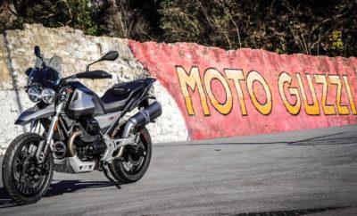 Ο ενθουσιασμός κορυφώνεται για τη Moto Guzzi V85 TT: περισσότερα από 8.000 άτομα από ολόκληρη την Ευρώπη έχουν ήδη δηλώσει το ενδιαφέρον τους για μία πρώτη οδηγική εμπειρία. Μέσα σε λίγους μήνες, η ειδική ιστοσελίδα www.discoverv85.motoguzzi.com, δέχθηκε χιλιάδες επισκέπτες, που ανυπομονούσαν να ανακαλύψουν πληροφορίες για τη νέα μοτοσυκλέτα. Στην Ελλάδα τα test rides θα αρχίσουν τον Μάρτιο, με την άφιξη του νέου μοντέλου στα καταστήματα του δικτύου διανομής Moto Guzzi. Η V85 TT θα διατίθεται στην ενδεικτική τιμή των 11.800 €, η οποία περιλαμβάνει 4 χρόνια εγγύηση και οδική βοήθεια. Στις 6 Φεβρουαρίου ξεκίνησε επίσημα η παραγωγή της Moto Guzzi V85 TT στο Mandello del Lario, σηματοδοτώντας την επιστροφή της Moto Guzzi στον κόσμο των τουριστικών enduro. H Moto Guzzi V85 TT είναι μία από τις πολυαναμενόμενες μοτοσυκλέτες της αγοράς. Αυτό αντανακλάται από το τεράστιο ενδιαφέρον κατά την επίσημη αποκάλυψη της τελικής έκδοσης του μοντέλου, που πραγματοποιήθηκε στο πλαίσιο της εκδήλωσης Moto Guzzi Open House τον Σεπτέμβριο, αλλά και από την επιτυχία στη διεθνή έκθεση Eicma 2018, όπου ήταν ένα από τα δίτροχα που συγκέντρωσε τη μεγαλύτερη προσοχή του κοινού. H Moto Guzzi V85 TT είναι το πρώτο κλασσικό τουριστικό enduro, προσφέροντας υψηλές επιδόσεις και πρωτοποριακή τεχνολογία, ενσωματωμένα σε ένα ύφος που αντικατοπτρίζει τις αξίες και τη σχεδόν εκατονταετή παράδοση της Moto Guzzi. Έχει αναπτυχθεί γύρω από μια νέα τεχνική πλατφόρμα και τροφοδοτείται από έναν καινοτόμο κινητήρα 80 HP, 80 Nm, εγκάρσια τοποθετημένο 90° V-twin, πιστό στην παράδοση της Moto Guzzi, με μοναδικό κατασκευαστικό μοντέλο και αίσθηση οδήγησης. Η νέα μοτοσυκλέτα προσφέρει βασικό εξοπλισμό υψηλών προδιαγραφών, που ικανοποιεί τον αναβάτη κατά τις καθημερινές μετακινήσεις, αλλά και στις τουριστικές - ακόμα και εκτός δρόμου - διαδρομές. Περιλαμβάνει σύστημα διαχείρισης γκαζιού Ride-By-Wire πολλαπλής χαρτογράφησης, ABS και έλεγχο πρόσφυσης. Η εφαρμογή Moto Guzzi MIA επιτρέπει στον αναβάτη να συνδέει το smartp