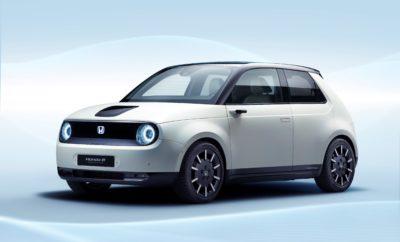 """• Το πρωτότυπο Honda e Prototype προϊδεάζει για το επερχόμενο μοντέλο παραγωγής και αποτελεί εξέλιξη του Urban EV Concept του 2017 • Ξεχωριστή, καθαρή εξωτερική σχεδίαση σε συνδυασμό με σύγχρονο, μινιμαλιστικό εσωτερικό προηγμένης τεχνολογίας • Πίσω κίνηση και μεγάλο πλάτος για δυναμική συμπεριφορά στο δρόμο • Το Honda e Prototype διαθέτει όλο το πακέτο για να ικανοποιήσει τις ανάγκες μετακίνησης στο σύγχρονο περιβάλλον πόλης Το νέο ηλεκτρικό αυτοκίνητο πόλης της Honda θα παρουσιαστεί στη φετινή Έκθεση Αυτοκινήτου της Γενεύης με τη μορφή του Honda e Prototype. Το νέο αυτό μοντέλο βασίζεται στο πρωτότυπο Urban EV Concept του 2017 που απέσπασε θετικές κριτικές και αποτελεί μέρος της στρατηγικής """"Electric Vision"""" της Honda για την Ευρωπαϊκή αγορά. Σχεδιασμένο ώστε να ανταποκρίνεται στις ανάγκες του σύγχρονου τρόπου ζωής, το Honda e Prototype συνδυάζει μοναδική σχεδίαση, προηγμένη λειτουργικότητα και συναρπαστική συμπεριφορά στο δρόμο. Το όλο πακέτο του αυτοκινήτου είναι ιδανικό για περιβάλλον πόλης. Ξεχωριστή, λιτή εξωτερική σχεδίαση Το Honda e Prototype σχεδιάστηκε με γνώμονα τη λειτουργικότητα και τη χρηστικότητα και συνδυάζει απλή σχεδίαση με μοναδικό χαρακτήρα. Οι απαλές γραμμές του αμαξώματος ξεκινούν από το καπό του κινητήρα και συνεχίζονται στο πανοραμικό παρμπρίζ δημιουργώντας μία ενιαία επιφάνεια πάνω από τους εμπρός επιβάτες. Οι εμπρός κολόνες της οροφής συνθέτουν μία λεία επιφάνεια με το παρμπρίζ προς όφελος της αεροδυναμικής, εξασφαλίζοντας αθόρυβο και άνετο ταξίδι. Τα σχεδιαστικά στοιχεία που ξεχωρίζουν στο αμάξωμα και τονίζουν την καθαρή, απέριττη γραμμή του, είναι οι κρυμμένες λαβές στις πόρτες που εμφανίζονται αυτόματα και οι μικροσκοπικές κάμερες που βρίσκονται στη θέση των κλασικών εξωτερικών καθρεπτών. Τα δύο αυτά στοιχεία, οι λαβές και το Camera Monitor System δεν υπάρχουν σε κανένα άλλο αυτοκίνητο της συγκεκριμένης κατηγορίας. Η πρίζα φόρτισης του αυτοκινήτου είναι ενσωματωμένη στο κέντρο της γρίλιας του καπό για μεγαλύτερη ευκολία, δίνοντας τη δυν"""