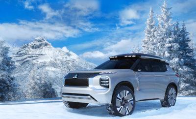 """Η Mitsubishi Motors Corporation (MMC) παρουσίασε τη νέα γενιά του crossover SUV MITSUBISHI ENGELBERG TOURER σε παγκόσμια πρεμιέρα στην 89η Διεθνή Έκθεση Αυτοκινήτου της Γενεύης (7 – 17 Μαρτίου)*1. Ενσαρκώνοντας το παγκόσμιο μότο της εταιρίας """"Drive your Ambition"""" («Οδήγησε τη Φιλοδοξία σου»), το MITSUBISHI ENGELBERG TOURRER χρησιμοποιεί τεχνολογίες της MMC, προηγμένη ηλεκτροκίνηση και τετρακίνηση δίνοντας μία νέα διάσταση στην έννοια SUV. Η MMC εκθέτει επίσης στο περίπτερό της το DENDO DRIVE HOUSE (DDH) – ένα νέο ενεργειακό οικοσύστημα που επιτρέπει στους ιδιοκτήτες να παράγουν, να αποθηκεύουν και να μοιράζουν αυτόματα την ενέργεια μεταξύ αυτοκινήτου και σπιτιού, αυξάνοντας την αξία των ηλεκτρικών οχημάτων. Το DDH, που προσφέρεται στους πελάτες της Έκθεσης όταν αγοράζουν EV/PHEV σε εμπόρους της MMC, είναι ένα οικιακό σύστημα βασισμένο σε τεχνολογία V2H* (αμφίδρομη τροφοδοσία ηλεκτρικής ενέργειας μεταξύ μπαταριών EV/ PHEV και σπιτιού), που η MMC σχεδιάζει να αρχίσει να προσφέρει αυτή την υπηρεσία σε Ιαπωνία και Ευρώπη από το 2019. *1 Επίσημος διαδικτυακός τόπος: https://www.gims.swiss 1.MITSUBISHI ENGELBERG TOURER 1) Φιλοσοφία Το Engelberg είναι ένα διάσημο χειμερινό θέρετρο στην κεντρική Ελβετία που προσφέρει εντυπωσιακά πανοραμικά τοπία και ταυτόχρονα φημίζεται για τις οργανωμένες πίστες αλλά και τις διαδρομές-πρόκληση στο απάτητο χιόνι (off-piste) για freestyle σκι και snowboard. Το MITSUBISHI ENGELBERG TOURERείναι ένα 4WD plug-in υβριδικό EV (PHEV) με δύο μοτέρ (Twin Motor). Όπως αρμόζει στο όνομα Engelberg Tourer, προσφέρει υψηλές επιδόσεις από το σύστημα κίνησης που επιτρέπουν στον οδηγό να απολαμβάνει την οδήγηση σε όλες τις καιρικές συνθήκες, ή σε οποιαδήποτε επιφάνεια του δρόμου με αυτοπεποίθηση. Αυτό συνδυάζεται με μεγάλη αυτονομία – κλασικό χαρακτηριστικό PHEV -και παρέχει τη δυνατότητα για ταξίδια εκτός πόλης χωρίς υποδομή φόρτισης. Η άριστη διάταξη χώρων συνδυάζει χωρητικότητα για επιβάτες με μία ποικιλία αποθηκευτικών χώρων, ώστε να μπορούν η οικογένεια"""