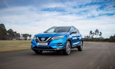 Το Nissan QASHQAI, τώρα διαθέσιμο με έναν ολοκαίνουργιο πετρελαιοκινητήρα 1,7 λίτρων, που ενισχύει περαιτέρω τις επιδόσεις του. Ο εξαιρετικής απόδοσης νέος κινητήρας, ισχύος 150PS, διατίθεται τόσο με χειροκίνητο κιβώτιο ταχυτήτων 6 σχέσεων σε εκδόσεις 4Χ2 και 4Χ4, όσο και με Μ-CVT αυτόματο κιβώτιο ταχυτήτων, αποκλειστικά με δυνατότητα επιλογής κίνησης και στους 4 τροχούς. Ο νέος πετρελαιοκινητήρας, που έρχεται να αντικαταστήσει τον 1.6 dCi 130PS, προσφέρει περισσότερη ισχύ κατά 20PS, καθώς και υψηλότερη ροπή κατά 20Nm. Αξίζει να σημειωθεί ότι η έκδοση 4Χ4 με το αυτόματο κιβώτιο M-CVT, είναι η πρώτη φορά που διατίθενται στο κορυφαίο crossover της Nissan, πραγματοποιώντας το ντεμπούτο της με τον κινητήρα των 1,7 λίτρων. H συγκεκριμένη έκδοση, παρέχει μια ολοκληρωμένη και δυναμική εμπειρία οδήγησης, ενισχύοντας ακόμα περισσότερο τον περιπετειώδη χαρακτήρα του Nissan QASHQAI. NEDC-BT 16/17 ιντσών ελαστικά 18/19 ιντσών ελαστικά 150PS MT 4x2 Κατανάλωση καυσίμου (μικτός κύκλος) 4,6-4,7l/100km 4.8 l/100km Εκπομπές CO2 123 g/km 127 g/km NEDC-BT 16/17 ιντσών ελαστικά 18/19 ιντσών ελαστικά 150PS MT 4x4 Κατανάλωση καυσίμου (μικτός κύκλος) 5.1 l/100km 5.2 l/100km Εκπομπές CO2 133 g/km 138 g/km NEDC-BT 17 ιντσών ελαστικά 18/19 ιντσών ελαστικά 150PS M-CVT 4x4 Κατανάλωση καυσίμου (μικτός κύκλος) 5.5 l/100km 5.8 l/100km Εκπομπές CO2 145 g/km 154 g/km Την γκάμα των αποδοτικών κινητήρων του QASHQAI συμπληρώνουν οι κινητήρες βενζίνης 1,3 λίτρων, τεχνολογίας DiG-T, που αποδίδουν έως και 160PS, καθώς και ο καταξιωμένος 1.5 λίτρων diesel κινητήρας των 116PS, ο οποίος με εκπομπές CO2 από 100g / km και οικονομία καυσίμου από μόλις 3,8 λίτρα / 100km, θεωρείται από τους κορυφαίους της κατηγορίας. Οι τιμές του Nissan QASHQAI με τον κινητήρα πετρελαίου των 1.7 λίτρων, ξεκινούν από τις 25.890€, για την έκδοση με το χειροκίνητο κιβώτιο ταχυτήτων και από τις 28.490€, για την έκδοση με το κιβώτιο M-CVT, με κίνηση και στους τέσσερις τροχούς.