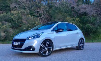 Ο Μάρτιος έκλεισε με τους καλύτερους οιωνούς για την Peugeot καθώς βρέθηκε στην δεύτερη θέση των ταξινομήσεων της συνολικής αγοράς με 923 πωλήσεις και μερίδιο αγοράς 9.6%. Αξίζει να σημειωθεί πως η εμβληματική γαλλική αυτοκινητοβιομηχανία στην Ελλάδα, διατηρεί την δεύτερη θέση στις ταξινομήσεις της αγοράς και του πρώτου τριμήνου 2019 σημειώνοντας 2.683 πωλήσεις και μερίδιο αγοράς 10.2%. Το κομψό σούπερ-μίνι PEUGEOT 208, εκτοξεύθηκε στην πρώτη θέση της κατηγορίας του καταγράφοντας με απτό τρόπο τη σαφή προτίμηση των αγοραστών, που το επιλέγουν για τον ξεχωριστό σχεδιασμό του, την τεχνολογική πρωτοπορία, τη δυναμική οδήγηση, τους βραβευμένους κινητήρες βενζίνης και πετρελαίου, την εξελιγμένη συνδεσιμότητα αλλά και την 5ετή εργοστασιακή εγγύηση που το συνοδεύει. Μαζί του και η υπόλοιπη γκάμα της PEUGEOΤ και συγκεκριμένα τα μοντέλα PEUGEOT 108, PEUGEOT 2008, PEUGEOT 3008, PEUGEOT 5008 και το MPV PEUGEOT Traveller, βρέθηκαν στο Top5 των πωλήσεων στις κατηγορίες τους. Επαγγελματικά PEUGEOT Στην αλματώδη πορεία της PEUGEOT στην ελληνική αγορά, συνέβαλαν και τα πρακτικά και ανθεκτικά ελαφρά επαγγελματικά της φίρμας. Τα PEUGEOT Boxer και PEUGEOT Expert στα VAN και το PEUGEOT 208 PRO στα VANETTE, κατέλαβαν την πρώτη θέση των πωλήσεων στις κατηγορίες τους, επιβεβαιώνοντας τη συνειδητή επιλογή των επαγγελματιών που απαιτούν απόδοση, οικονομία και ασφάλεια στις καθημερινές και ιδιαίτερα απαιτητικές μετακινήσεις τους.