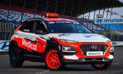 """• Η Hyundai Motor παρουσίασε το στόλο των επίσημων WorldSBK αυτοκινήτων κατά τη διάρκεια του Pirelli Italian Round στην Imola • Τα αυτοκίνητα χρησιμοποιούνται σε διάφορες δραστηριότητες, όπως η καθοδήγηση του αγώνα και η μεταφορά ιατρικού προσωπικού • Από μοντέλα υψηλών επιδόσεων έως φιλικά προς το περιβάλλον μοντέλα, ο στόλος της Hyundai αποδεικνύει την ποικιλομορφία της γκάμας της Μάρκας Τον πλήρη στόλο των επίσημων WorldSBK αυτοκινήτων παρουσίασε η Hyundai Motor στον 5ο γύρο του Παγκόσμιου Πρωταθλήματος MOTUL FIM Superbike (WorldSBK) στην Imola της Ιταλίας. Ο στόλος της Hyundai αποδεικνύει την ποικιλομορφία της γκάμας της ξεκινώντας από το i30 N υψηλών επιδόσεων έως το φιλικό προς το περιβάλλον Kona Electric, καθώς και δύο μοντέλα SUV της εταιρείας. Τα πιο δημοφιλή αυτοκίνητα παραγωγής της Hyundai χρησιμοποιήθηκαν σε διάφορες δραστηριότητες του WorldSBK, όπως η καθοδήγηση του αγώνα και η μεταφορά ιατρικού προσωπικού. Καθ' όλη τη διάρκεια της συνεργασίας, η Hyundai θα συνεργαστεί στενά με την WorldSBK με σκοπό την πραγματοποίηση ποικίλων δραστηριοτήτων και καινοτόμων πρωτοβουλιών που θα προσφέρουν ξεχωριστές εμπειρίες στους οπαδούς της Hyundai N Brand. Η πραγματοποίηση δοκιμής των μοντέλων της μάρκας N, χρησιμοποιώντας πίστες και εξωτερικές διαδρομές αποτελεί μια από αυτές. """"Είμαστε ενθουσιασμένοι που παρουσιάσαμε τον πλήρη στόλο μας στο WorldSBK στην Imola"""", δήλωσε ο κ. Thomas Schemera, Executive Vice President και Head of Product Division, Product Operation & N Sub-Division. """"Με μοντέλα υψηλών επιδόσεων όπως το i30 Fastback N Safety Car έως το Kona Electric Racing Director Car, αποδεικνύουμε πραγματικά την ποικιλομορφία της γκάμας της Hyundai."""" Η Imola αποτελεί τακτικό αγώνα στο ημερολόγιο του WorldSBK τα τελευταία χρόνια και φιλοξένησε το φετινό Pirelli Italian Round. Η πίστα εγκαινιάστηκε ως ημι-μόνιμος χώρος το 1953. Ο πλήρης τίτλος του είναι Autodromo Internazionale Enzo e Dino Ferrari και πήρε το όνομά του από τον πατέρα και τον γιο Enzo και Dino Ferrari. Σ"""