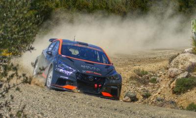 """Το Micra PROTO της NISSAN Rally Team Χαλκιάς είναι πανέτοιμο για το αγωνιστικό του ντεμπούτο. Οι φίλοι του μηχανοκίνητου αθλητισμού θα έχουν τη δυνατότητα να παρακολουθήσουν εν δράση το νέο αγωνιστικό αυτοκίνητο του Θέμη Χαλκιά στα πλαίσια του εναρκτήριου αγώνα των EKO Racing Dirt Games την προσεχή Κυριακή 19/05 στον Ιππόδρομο Αθηνών στο Μαρκόπουλο. Η πρεμιέρα θα γίνει στην κατηγορία της Ατομικής Χρονομέτρησης η οποία σε αυτοκίνητα και crosscar περιλαμβάνει 17 συμμετοχές. Ο Θέμης Χαλκιάς με το Micra PROTO θα πραγματοποιήσει τέσσερα χρονομετρημένα περάσματα από τη διαδρομή όπου τα τρία καλύτερα θα προσμετρήσουν για την τελική κατάταξη. Σύμφωνα με το πρόγραμμα η συμμετοχή θα εμφανιστεί στην πίστα από τις 10:30 έως τις 12:00 για το 1ο σκέλος και από τις 16:30 έως τις 20:15 για το 2ο σκέλος. Στο δεύτερο μάλιστα σκέλος θα διεξαχθούν και οι πολύ ανταγωνιστικοί αγώνες της κατηγορίας RallyCross. Ο Θέμης Χαλκιάς δηλώνει: """"Όλοι στην Nissan Rally Team Χαλκιάς είμαστε πολύ χαρούμενοι που το νέο μας εγχείρημα είναι έτοιμο να αγωνιστεί. Σας προσκαλώ στην πρώτη εμφάνιση του Micra PROTO στον Ιππόδρομο Αθηνών ώστε να το δείτε, να το γνωρίσετε και να το απολαύσετε από κοντά. Η προσεχής διοργάνωση είναι πολύ ενδιαφέρουσα και ιδανική για όλη την οικογένεια καθώς εκτός του θεάματος που θα προσφέρουν αγωνιστικά αυτοκίνητα και Crosscar θα υπάρχουν παράλληλες εκδηλώσεις με άλογα - πόνυ για μικρούς και μεγάλους"""". Περισσότερα για τον θεσμό των EKO Racing Dirt Games μπορείτε να βρείτε στο http://www.dirtgames.gr/news"""