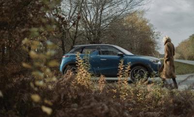 Η DS Automobiles αποκαλύπτει για ακόμα μία φορά την υψηλή αισθητική της παριζιάνικης κομψότητας και την τεχνογνωσία της στις πολυτελείς και καινοτόμες κατασκευές, παρουσιάζοντας το νέο compact SUV DS 3 CROSSBACK. Το νέο μοντέλο ξεχωρίζει, καθώς συνδυάζει την κομψότητα, την άνεση και την προηγμένη τεχνολογία και προσφέρει στο κοινό μια ολοκληρωμένη πρόταση υψηλών προδιαγραφών για μία απολαυστική οδηγική εμπειρία. Μοντέλο αστικού κυρίως χαρακτήρα, αλλά και ιδανικό για μεγάλα ταξίδια, το DS 3 CROSSBACK προσφέρει, παρά τις συμπαγείς εξωτερικές της διαστάσεις, μία μοναδική ευρυχωρία και παραμένει ελαφρύ. Με το επιβλητικό αμάξωμα και τους μεγάλους τροχούς, αυτό το urban SUV, διαθέτει προχωρημένο στυλ εκπέμποντας ταυτόχρονα δυναμισμό και γαλλική φινέτσα. Και επειδή οι στιγμές ηρεμίας είναι πολύτιμες, κυρίως όταν κινούμαστε σε αστικό περιβάλλον, το DS 3 CROSSBACK έχει σχεδιαστεί έτσι ώστε να εξασφαλίζει την απόλυτη ηχομόνωση και την πλήρη απουσία κραδασμών, προσφέροντας άριστη ποιότητα κύλισης. Στο ραφιναρισμένο εσωτερικό του DS 3 CROSSBACK η παραμικρή λεπτομέρεια έχει τύχει ιδιαίτερης προσοχής ενώ τα υλικά έχουν επιλεγεί με γνώμονα την ποιότητα και τη φινέτσα. Με στόχο να προσφέρει υψηλό επίπεδο άνεσης έχει εφοδιαστεί με πολυάριθμους αποθηκευτικούς χώρους, αναδιπλούμενο πίσω κάθισμα και μεγάλης χωρητικότητας πορτ μπαγκάζ. Το νέο DS 3 CROSSBACK συνδυάζει τους ιδανικούς κινητήρες, που ταιριάζουν απόλυτα με το δυναμισμό του χαρακτήρα του νέου αυτού μοντέλου και θα διατίθεται με 3 διαφορετικούς τύπους κινητήρων: PureTech βενζίνης, BlueHDi diesel και 100% ηλεκτροκίνηση στην έκδοση E-Tense. Ελκυστικό και χαρισματικό με μοναδική τεχνολογία και υψηλή αισθητική, το νέο DS 3 CROSSBACK απευθύνεται σε όσους αναζητούν ένα αυτοκίνητο με ξεχωριστό στυλ και καινοτόμες τεχνολογίες προσφέροντας ταυτόχρονα μία ασφαλή και απολαυστική οδηγική εμπειρία υψηλών προδιαγραφών.