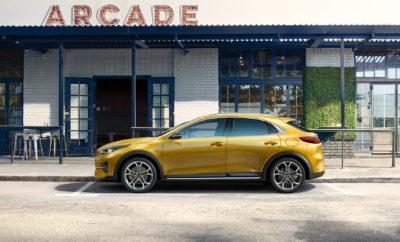 """ Με Ευρωπαϊκό κουπέ σχεδιασμό και έξυπνη ευελιξία  Με σπορ δυναμικά χαρακτηριστικά και κορυφαία επίπεδα πρακτικότητας  Επίσημη παρουσίαση στις 26 Ιουνίου 2019 Η Kia Motors παρουσιάζει σήμερα την πρώτη φωτογραφία του ολοκαίνουργιου Kia XCeed που θα αποκαλυφθεί πλήρως, αργότερα τον Ιούνιο. Το νέο CUV (Crossover Utility Vehicle) έρχεται να ανατρέψει τα δεδομένα ως μία σπορ εναλλακτική επιλογή στα παραδοσιακά μεγαλύτερα SUV. Το ελκυστικό και ανατρεπτικό στιλ του νέου Kia XCeed παραπέμπει σε κουπέ σχήμα και αποτελεί προϊόν του Ευρωπαϊκού Κέντρου Σχεδιασμού της μάρκας στη Φρανκφούρτη υπό την καθοδήγηση του Gregory Guillaume, Αντιπροέδρου Σχεδιασμού για την Kia Motors Ευρώπης. Η μεγαλύτερη απόσταση του αμαξώματος από το έδαφος και η ψηλότερη θέση οδήγησης δημιουργούν μια πιο σπορ αίσθηση από ένα παραδοσιακό SUV. Παράλληλα προσφέρεται μια βελτιωμένη ορατότητα προς τα έξω σε σχέση με ένα συμβατικό οικογενειακό hatchback. Με πιο συναισθηματική και δυναμική σχεδίαση από τα μεγαλύτερα ανταγωνιστικά μοντέλα, το νέο Kia XCeed θα είναι σε θέση πάραυτα να προσφέρει συγκρίσιμα επίπεδα εσωτερικών χώρων για τους επιβάτες και τις αποσκευές ανάμεσα στα πιο δημοφιλή SUV της ευρωπαϊκής αγοράς. Ο Emilio Herrera, Διευθύνων Σύμβουλος της Kia Motors Europe, σχολιάζει: """"Ο σπορ σχεδιασμός και ο χαρακτήρας του νέου Kia XCeed CUV το καθιστούν πιο επιθυμητό από πολλά ψηλότερα και μεγαλύτερα SUV. Τα προσφέρει χωρίς υποχωρήσεις και συμβιβασμούς στην ευελιξία, συνδυάζοντας την έξυπνη διαχείριση της καμπίνας και του αποθηκευτικού χώρου ενός SUV σε ένα πιο σπορ αμάξωμα με πιο συμπαγή άποψη"""". Το νέο Kia XCeed θα αποκαλυφθεί πλήρως στις 26 Ιουνίου. Kia Motors Corporation (www.kia.com) – κατασκευαστής οχημάτων υψηλής ποιότητας, που προορίζονται όχι μόνο για όσους είναι αλλά και όσους αισθάνονται «νέοι» - ιδρύθηκε το 1944 και είναι η παλαιότερη βιομηχανία κατασκευής μηχανοκίνητων οχημάτων στην Κορέα. Κατασκευάζει περισσότερα από 3 εκατομμύρια οχήματα τον χρόνο σε 14 μονάδες κατασκευής και συναρμολόγησης σε"""