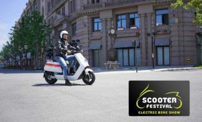 """Ποιό είναι το καλύτερο μέσο για μετακίνηση στην πόλη; Ένα χρηστικό scooter, ένα οικονομικό παπί ή μια μικρή μοτοσυκλέτα; Στο Scooter Festival & ElectricBike Show, που θα διοργανωθεί το τριήμερο 15-17 Ιουνίου στο Παλιό Αμαξοστάσιο του ΟΣΥ στο Γκάζι, όλες οι επιλογές θα είναι εκεί για να συγκρίνετε και να βρείτε τι ταιριάζει στις δικές σας ανάγκες. Ακόμα και ηλεκτροκίνητα οχήματα, scooter, ποδήλατα και πατίνια, για όσους θέλουν να μεταβούν στο επόμενο στάδιο της αστικής τους μετακίνησης. Μάλιστα, ένας τυχερός και μετά από κλήρωση θα γίνει κάτοχος ενός πανέμορφου ηλεκτρικού scooter Gemini e-Cruise 3000W. To εισιτήριο κοστίζει 5 ευρώ για κάθε μέρα και 7 ευρώ αν θέλετε να επισκέπτεστε το Festival κάθε μέρα και για όλο το τριήμερο! Σημειωτέον πως για παιδιά και νέους μέχρι 20 ετών η είσοδος είναι τελείως δωρεάν, ενώ με διαφορετικό εισιτήριο των 7 ευρώ κάθε ενδιαφερόμενος μπορεί να επισκεφθεί και την έκθεση «Ημέρες Μοτοσυκλέτας», που θα πραγματοποιηθεί στον ίδιο χώρο λίγες ημέρες μετά (20-23 Ιουνίου)! Ο επισκέπτης θα έχει την ευκαιρία να αγοράσει είδη ένδυσης και προστασίας σε τιμές bazaar αλλά και να δει μια συλλογή από custom superπαπιά. Δεν θα λείπουν φυσικά οι ωραίες μουσικές, bar, αλλά και streetfood. Τα κλασικά «μικρά» στο Scooter Festival Θα ήταν δύσκολο κάποιος να φανταστεί πριν από 30 και 40 χρόνια, ότι τα ταπεινά πενηντάρια που μεγάλωσαν μοτοσυκλετιστικά γενιές και γενιές θα γινόντουσαν μια μέρα κλασικά εκθέματα μιας άλλης εποχής. Αυτά τα """"μηχανάκια"""" θα τα ξαναθυμηθούμε στο Scooter Festival, η Λέσχη Ιαπωνικής Κλασικής Μοτοσυκλέτας και η Ελληνική Λέσχη Φίλων Κλασικής Μοτοσυκλέτας θα μας παρουσιάσουν άψογα συντηρημένα μικρά σε κυβισμό μοντέλα από Ιαπωνία και Ευρώπη, που θα ξυπνήσουν αναμνήσεις στους παλιότερους αλλά και θα δείξουν την ιστορία και την εξέλιξη των δύο τροχών στους νεότερους. Θα υπάρχουν και θεματικές εκθέσεις, όπως η """"VespAθήναια""""από την Αθηναϊκή Λέσχη Vespa, με όλη την ιστορία του πιο αγαπημένου δίτροχου όλων των εποχών, παρουσιάζοντας κλασικά αλλά """