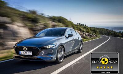 • Εκπληκτική βαθμολογία 98% στην κατηγορία προστασίας των ενηλίκων επιβατών • Διευρυμένη γκάμα τεχνολογιών ασφαλείας i-ACTIVSENSE και αυξημένος βαθμός προστασίας πεζών Αθήνα, 10 Ιουλίου 2019, Το ολοκαίνουργιο, άκρως δυναμικό Mazda3 του 2019 απέσπασε την ανώτατη διάκριση των 5 αστέρων στις πρόσφατες δοκιμές πρόσκρουσης του οργανισμού Euro NCAP. Μετά το Mazda6, πρόκειται για το δεύτερο μοντέλο της Mazda που κατακτά την ανώτατη συνολική διάκριση των 5 αστέρων στις νέες και πιο αυστηρές δοκιμές πρόσκρουσης του 2018, του ανεξάρτητου οργανισμού δοκιμών για την ασφάλεια. Το νέο Mazda3 σημείωσε εντυπωσιακά αποτελέσματα και στις 4 κατηγορίες δοκιμών του Euro NCAP κατέχοντας υψηλό επίπεδο προστασίας για ενήλικες επιβάτες, παιδιά επιβάτες, ευπαθείς χρήστες του δρόμου (ασφάλεια πεζών) και σε σημαντικά ανεπτυγμένα συστήματα υποβοήθησης ασφαλείας. Αυτό αποδίδεται σε τρείς κυρίως παράγοντες: Στην υιοθέτηση της τελευταίας γενιάς αρχιτεκτονικής κατασκευής του αυτοκινήτου με την ονομασία Skyactiv, με βασικό χαρακτηριστικό το ελαφρύ αμάξωμα υψηλής ακαμψίας και ταυτόχρονα απορρόφησης συγκρούσεων, στις περαιτέρω διευρυμένες και προηγμένες τεχνολογίες ασφαλείας i-Activsense που βοηθούν τον οδηγό στην αναγνώριση ενδεχόμενου κινδύνου, ενώ προλαμβάνουν τις επιπτώσεις ζημιάς ή τραυματισμού, και στο αυξημένο επίπεδο προστασίας των πεζών. Κατακτώντας το πραγματικά εντυπωσιακό 98% στην κατηγορία προστασίας των ενηλίκων επιβατών, το νέο Mazda3 απέσπασε την ανώτατη βαθμολογία στις δοκιμές μετωπικής σύγκρουσης αλλά και πλευρικής σύγκρουσης σε κολώνα. Το ευφυές σύστημα υποστήριξης πέδησης της Mazda, απέσπασε εξίσου κορυφαία βαθμολογία σε δοκιμές χαμηλής ταχύτητας, αποτρέποντας τη σύγκρουση με όλα τα σενάρια. Επιπλέον, το νέο Mazda3 αξιολογήθηκε και με το εξαιρετικό 87% στην κατηγορία της προστασίας παιδιών, την ανώτατη βαθμολογία στις δυναμικές δοκιμές τόσο σε εμπρόσθιες όσο και πλευρικές συγκρούσεις. Στην κατηγορία της προστασίας ευπαθών χρηστών του δρόμου (ασφάλεια πεζών) η βαθμολογία ήταν επίσης