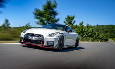 """Η Nissan επαναβεβαιώνει για μια ακόμα φορά ότι NISMO + GT-R = εκπληκτική απόδοση ! Επιδεικνύοντας τις συναρπαστικές του δυνατότητες στην EuroSpeedway Lausit της Γερμανίας, το νέο GT-R NISMO 2020 ανεβάζει ακόμα πιο ψηλά τον πήχη στην κατηγορία των supercars. Η γενεαλογία Το Nissan GT-R NISMO 2020 διαθέτει ένα μοναδικό στυλ που αντανακλά την μακροχρόνια αγωνιστική φιλοσοφία του θρυλικού αγωνιστικού οίκου της φίρμας. Έχει αναρίθμητες τεχνολογίες, εμπνευσμένες από τον μηχανοκίνητο αθλητισμό, με γνώμονα τη βελτίωση της απόδοσής του μέσω της εξαιρετικής αεροδυναμικής, της ανάρτησης, των συστημάτων μετάδοσης αλλά και κίνησης, δημιουργώντας ένα απόλυτα ισορροπημένο μηχάνημα οδήγησης που είναι έτοιμο να βγει τόσο στο δρόμο, όσο και στην πίστα! Με νέους αγωνιστικού τύπου στροβιλοσυμπιεστές, βελτιωμένο έλεγχο αλλαγής ταχυτήτων, ελαφρύτερα εξαρτήματα, μειωμένη συνολική μάζα και αναβαθμίσεις στα φρένα, τους τροχούς και τα ελαστικά, το Nissan GT-R NISMO 2020 κατάφερε να μειώσει κατά των 2,5 δευτερόλεπτα τον χρόνο στην πίστα δοκιμών και εξέλιξης της Nissan. Αξίζει να σημειωθεί ότι έχει αυξηθεί και η ήδη εκπληκτική σταθερότητα του μοντέλου σε υψηλές ταχύτητες, που τώρα αγγίζουν τα 300 χλμ / ώρα ! Απολαύστε video με το εκπληκτικό Nissan GT-R NISMO 2020 στο https://youtu.be/7FLGnguSwuo Κατασκευασμένο με τη νοοτροπία του kaizen Η επιδίωξη της τελειότητας απαιτεί επιμονή. Η συνεχής ανάγκη για εξέλιξη και τελειοποίηση, είναι αυτό που στα Ιαπωνικά ονομάζεται kaizen. Το kaizen βρίσκεται στο επίκεντρο του GT-R NISMO, όπως φυσικά και στην νοοτροπία της ομάδας που πλαισιώνει αυτό το εγχείρημα. Οι άνδρες και οι γυναίκες της ομάδας εξέλιξης του GT-R NISMO, διακατέχονται από μια εγγενή περιέργεια και μια νοοτροπία που συνοψίζεται στο """"τι θα γινόταν αν…"""", όταν επανεξετάζουν και την παραμικρή λεπτομέρεια. Οι μικρές βελτιώσεις μπορεί να μην φαίνονται πολύ σημαντικές μεμονωμένα, αλλά όταν συνδυάζονται στο σύνολό τους, η διαφορά γίνεται αντιληπτή. Αυτό είναι το """"μεγαλείο"""" στον χαρακτήρα ενός τέτοιου"""