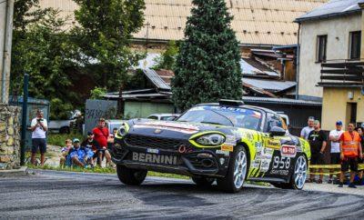 Το Abarth 124 rally κατέκτησε ακόμα μία νίκη στο Ευρωπαϊκό Πρωτάθλημα Ράλι ERC2 με τον Andrea Nucita να κυριαρχεί στο Barum Rally Zlin στην Τσεχία. Με αυτό το αποτέλεσμα ο Nucita ενίσχυσε περαιτέρω την πρωτοπορία του στο Abarth Rally Cup, ενώ πλέον βρίσκεται στη 2η θέση του ERC2. Στο βάθρο βρέθηκε και ο Πολωνός οδηγός Dariusz Polonski που με το Abarth 124 rally συνεχίζει να έχει ελπίδες για την κατάκτηση του Ευρωπαϊκού τίτλου, αλλά και του Abarth Cup. Δεύτερη συνεχόμενη και συνολικά τρίτη για τη χρονιά επιτυχία για το Abarth 124 rally στο Ευρωπαϊκό Πρωτάθλημα Ράλι ERC2, με το Ιταλικό πλήρωμα των Andrea Nucita - Bernardo Di Caro να κατακτούν τη νίκη στο Barum Rally Zlin στην Τσεχία. Με αυτή τη νίκη ο Nucita βρέθηκα ακόμα πιο κοντά στην κορυφή του ERC2 έχοντας πλέον μία διαφορά μόλις 5 βαθμών από τον πρωτοπόρο Juan Carlos Alonso. Οι γρήγορες ειδικές επέτρεψαν στο Abarth 124 rally να δείξει τη δυναμική του κυριαρχώντας στην κατηγορία μπροστά από αγωνιστικά με κίνηση σε όλους τους τροχούς. Στο Abarth Rally Cup, η νίκη του Nucita μεγάλωσε τη διαφορά στους 8 βαθμούς από τον Polonski. Πλέον υπολείπεται μόλις ένας αγώνας για να ολοκληρωθεί το Abarth Rally Cup 2019, το Ράλι Ουγγαρίας στις 8-10 Νοεμβρίου. «Ήταν ένας πολύ δύσκολος αγώνας. Δεν είναι εύκολο να διατηρηθείς στην πρώτη θέση σε τόσο γρήγορους αγώνες. Η νίκη αυτή είναι πολύ σημαντική για την επιτυχία μας και στους δύο θεσμούς που αγωνιζόμαστε.» Andrea Nucita - Abarth 124 rally (Team Bernini Rally) «Δυστυχώς δεν καταφέραμε να κερδίσουμε. Οδηγήσαμε πολύ γρήγορα σε ειδικές που ταιριάζουν με τα χαρακτηριστικά του 124 rally. Το αποτέλεσμα μας κρατά μέσα στη μάχη και θα κάνουμε ότι καλύτερο γίνεται στον τελευταίο αγώνα.» Dariusz Polonski - Abarth 124 rally (Rallyetechnology) Το Abarth 124 rally επιστρέφει στη δράση το επόμενο Σαββατοκύριακο, με τους Ιταλούς Enrico Brazzoli - Manuel Fenoli να αγωνίζονται στο Ράλι Γερμανίας, αγώνα του WRC και του FIA R GT Cup. Ο Brazzoli βρίσκεται στην κορυφή του κυπέλου R GT και έχει τη δυν