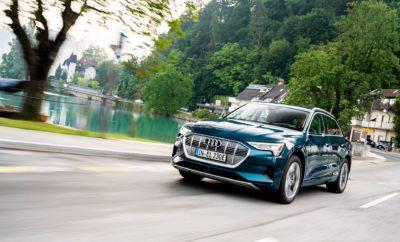 """• Το Audi e-tron καταρρίπτει το μεγαλύτερο ίσως μύθο γύρω από τα ηλεκτρικά αυτοκίνητα: τις δυσκολίες στα μεγάλα ταξίδια λόγω περιορισμένης αυτονομίας • Non-stop οδήγηση άνω των 1.600 χιλιομέτρων από την Σλοβενία έως την Ολλανδία, με στάση μόνο για σύντομη επαναφόρτιση • Ταχεία φόρτιση στο 80% της χωρητικότητας της μπαταρίας σε λιγότερο από μισή ώρα • Αυτονομία, απόδοση, άνεση – τα πλεονεκτήματα του Audi e-tron Δέκα ευρωπαϊκές χώρες σε 24 ώρες με σύντομες στάσεις για επαναφόρτιση! Το Audi e-tron πραγματικά εντυπωσιάζει με τις δυνατότητες του και στις μεγάλες αποστάσεις. Στις 20 Αυγούστου, εννέα δημοσιογράφοι τους διεθνή ειδικού Τύπου ξεκίνησαν μία δοκιμή μεγάλης απόστασης διανύοντας περισσότερα από 1.600 χλμ. μέσα σε 24 ώρες. Η εκκίνηση δόθηκε στη λίμνη Bled στη Σλοβενία με κατάληξη στο Άμστερνταμ, στην Ολλανδία. Το ηλεκτρικό SUV με την εξαιρετικά μεγάλη αυτονομία και τις φορτίσεις πολύ σύντομης διάρκειας αποδείχθηκε μια ολοκληρωμένη από κάθε άποψη πρόταση και σε συνδυασμό με τα απολαυστικά του δυναμικά χαρακτηριστικά και το άνετο εσωτερικό, πρόσφερε μία ασυναγώνιστη «ηλεκτροκίνητη» εμπειρία στους συμμετέχοντες! Η λίμνη Bled βρίσκεται σε ένα ειδυλλιακό τοπίο στην άκρη του οροπεδίου Pokljuka στα βόρεια της Σλοβενίας. Από εκεί, τρία Audi e-tron 55 quattro με τρείς δημοσιογράφους ανά αυτοκίνητο, ξεκίνησαν με σκοπό να διασχίσουν 10 ευρωπαϊκές χώρες μέσα σε μόλις 24 ώρες! Σε αυτή την άνω των 1.600 χιλιομέτρων διαδρομή, τα τρία Audi e-tron διέσχισαν την Αυστρία, την Ιταλία, το Λιχτενστάιν, την Ελβετία, τη Γαλλία, τη Γερμανία, το Λουξεμβούργο, το Βέλγιο και έφτασαν στο Άμστερνταμ στην Ολλανδία. Σε διαφορετικής μορφολογίας δρόμους, το e-tron, το πρώτο ηλεκτρικό αυτοκίνητο ευρείας παραγωγής της Audi, έδειξε πόσο άνετο, δυναμικό και απολαυστικό είναι στα μεγάλα ταξίδια. Το Audi e-tron αποτελεί το πρότυπο της νέας εποχής της ηλεκτροκίνησης. """"Το ηλεκτρικό μας SUV είναι ένα εξαιρετικό αυτοκίνητο μεγάλων αποστάσεων, επειδή συνδυάζει ιδανικά υψηλά επίπεδα άνεσης, απόδοσης και επιδό"""
