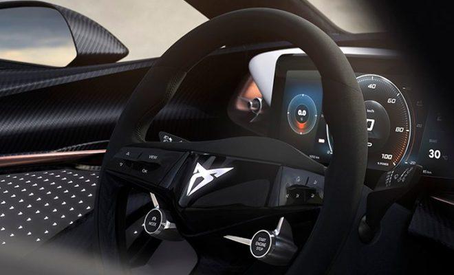 Το πρώτο πλήρως ηλεκτρικό αυτοκίνητο της μάρκας αντιπροσωπεύει μία τολμηρή πρόταση που συνδυάζει την εξωτερική, γεμάτη αυτοπεποίθηση σχεδίαση, με την λειτουργικότητα του εσωτερικού  Η καμπίνα είναι εστιασμένη κυρίως στον οδηγό, παρέχοντας ταυτόχρονα άνεση σε όλους τους επιβάτες  Το όχημα συνδυάζει υλικά και τεχνολογία προκειμένου να προσφέρει ένα πραγματικό CUPRA περιβάλλον οδήγησης  Η CUPRA συνεχίζει να δημιουργεί το μέλλον της κινητικότητας μέσω της μίξης ηλεκτρισμού και επιδόσεων Κηφισιά, 22-08-2019. Το CUPRA Concept, το πρώτο πλήρως ηλεκτρικό αυτοκίνητο της μάρκας, αντιπροσωπεύει την πραγματική αίσθηση των καθαρόαιμων επιδόσεων και της στοχευμένης σχεδιάσης και αποτελεί μία τολμηρή πρόταση για το ποιό μπορεί να είναι το μέλλον της κινητικότητας. Το εσωτερικό του πρωτότυπου αυτοκινήτου αναμειγνύει με ανοικτό πνεύμα υλικά και τεχνολογία ενώ η σχεδιαστική γλώσσα είναι εστιασμένη στη δημιουργία μίας καμπίνας που εξασφαλίζει την ισορροπία μεταξύ του προσανατολισμού του οδηγού και της άνεσης των επιβατών. Στο εσωτερικό του CUPRA Concept αντιπαραβάλλονται χρωματισμοί, επενδύσεις carbon, δυναμικές τεχνολογίες και σχεδίαση, ώστε να προσφέρουν μία ποιοτική καμπίνα. Το εσωτερικό επικεντρώνεται στην ισορροπία. Ισορροπία μεταξύ οδηγού και επιβατών, ισορροπία μεταξύ επιδόσεων και λειτουργικότητας. Το CUPRA Concept φέρνει νέες ιδέες σε αυτό που μπορεί να προσφέρει ένα μοντέλο CUPRA, ενώ προσφέρει τη δυνατότητα να μεταβάλλει και να προσαρμόζει την προσωπικότητα του σύμφωνα με τις ανάγκες των επιβατών. Η CUPRA συνεχίζει να ενισχύει τη θέση της ως εταιρεία προσανατολισμένη στο μέλλον, δημιουργώντας οχήματα που κατέχουν την ουσία της μάρκας, χρησιμοποιώντας παράλληλα προηγμένες τεχνολογίες προκειμένου να καλύψει τις μεταβαλλόμενες ανάγκες της προσωπικής κινητικότητας. Οχήματα όπως το CUPRA Concept φανερώνουν τα βήματα που κάνει η μάρκα για να διευρύνει τη γκάμα της, αναπτύσσοντας αποκλειστικά προϊόντα που προσφέρουν τον τέλειο συνδυασμό επιδόσεων, αποδοτικότητας και προσαρμοστικότ