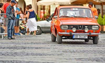 3 (GRE) VELANIS Vasilis (ROU) OTANCEALA Laura Daimler-Benz Mercedes 230 SL (1963) 7 (GRE) VASILOPOULOS Petros (GRE) NARLI Ismini Ford Escort MK1 (1969) 11 (GRE) KALOGERAS Dimitrios (GRE) KALOGERAS Ioannis Alfa Romeo GT 1300 JUNIOR (1972) 14 (GRE) VAGELIS Rallis (GRE) - - Volvo 244 (1973) 15 (GRE) ALEVIZOPOULOS George (GRE) KALOGERAS Nikos Fiat 128 Rally 1.3 (1974) 17 (GRE) DOUROS Anastasios (GRE) IATRIDIS Ioulios Leyland Mini 1000 (1975) 19 (GRE) KATOCHIANOS Gerasimos (GRE) KOTZIAS Alexandros Ford Escort (1975)