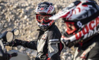 """• """"Summer Sales"""" από το Ducati Athens για όλο τον Αύγουστο • Όλα τα είδη ένδυσης αναβάτη από την τρέχουσα collection της Ducati με έκπτωση 30% • Ανάμεσά τους καλοκαιρινά μπουφάν, γάντια, κράνη σε μοντέρνα σχέδια • Αποκλειστικά στις εγκαταστάσεις του Ducati Athens στο Νέο Κόσμο Το Ducati Athens προσφέρει μία μοναδική ευκαιρία στους φίλους της μάρκας για τον Αύγουστο. Όλα τα είδη ένδυσης αναβάτη, ακόμα και αυτά της τρέχουσας collection, προσφέρονται με έκπτωση 30%! Μια μεγάλη συλλογή από καλοκαιρινά μπουφάν, γάντια, κράνη σε μοντέρνα σχέδια και πάντα με την εγγύηση γνησιότητας για την ποιότητα των Apparel Ducati, είναι διαθέσιμη με έκπτωση 30% για να προσφέρει την απόλαυση των ασφαλών και άνετων διαδρομών, με απαράμιλλο ιταλικό στυλ! Για περισσότερες πληροφορίες, οι ενδιαφερόμενοι μπορούν να επικοινωνήσουν με το Ducati Athens στο 210 9981199 ή να επισκεφθούν το www.ducatiathens.gr . Το Ducati Athens βρίσκεται στην οδό Καλλιρόης 9, στο Νέο Κόσμο."""