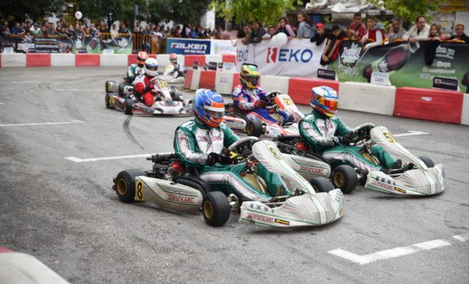 Ένα μεγάλο δώρο περιμένει τον νικητή της κατηγορίας Senior, του Πανελλήνιου Πρωταθλήματος Καρτ, στο PICK Πάτρας που θα διεξαχθεί στις 14-15 Σεπτεμβρίου 2019. Η ΕΚΟ, ως μεγάλος χορηγός του 11ου PICK EKO Racing 100 και των EKO Racing Dirt Games θα προσφέρει στον νικητή της κατηγορίας Senior* την δυνατότητα να αγωνιστεί στον αγώνα Rallycross των EKO Racing Dirt Games στο Μαρκόπουλο στις 28 και 29 Σεπτεμβρίου. Ο νικητής θα αγωνιστεί στην κατηγορία των 600 κ.εκ. με όλα τα έξοδα πληρωμένα**, ενώ για την καλύτερη δυνατή προετοιμασία και εξοικείωση του με το Crosscar, θα έχει την δυνατότητα μια ημέρας δοκιμών στο EKO Racing Διαδρόμιο. Όσοι τυχεροί βρεθούν το 2ημερο 14-15 Σεπτεμβρίου στην Πάτρα εκτός από το πλούσιο αγωνιστικό θέαμα, θα έχουν την δυνατότητα να δουν από κοντά το EKO Racing Dual, το μοναδικό διθέσιο Crosscar στην Ελλάδα, αλλά και το LaBase RX01 του κυπελλούχου του 2017 & 2018 των EKO Racing Dirt Games, Γιώργου Ζυμαρίδη. Έχει ιδιαίτερη αξία να σημειώσουμε ότι οι αγώνες Crosscar αποτελούν διεθνώς το σκαλοπάτι για την περαιτέρω εξέλιξη των οδηγών Καρτ όλων των κατηγοριών και ειδικά των νέων, οι οποίοι από φέτος έχουν την δυνατότητα να συμμετέχουν στην κατηγορία Crosscar Junior των EKO Racing Dirt Games από την ηλικία των 15 ετών.