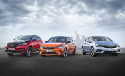Έκτη γενιά για το επιτυχημένο Corsa και πλήρως ηλεκτρική έκδοση για 1η φορά Με το νέο Corsa-e Rally, η Opel γίνεται ο πρώτος κατασκευαστής που λανσάρει ηλεκτρικό αυτοκίνητο ράλι Το νέο Grandland X Hybrid4 στην κορυφή των Opel SUV με 300hp & AWD Ντεμπούτο για το πιο αποδοτικό Astra όλων των εποχών Νέα γενιά Zafira Life με εννέα θέσεις και τρία διαφορετικά μήκη αμαξώματος Ευρεία γκάμα Opel, με ηλεκτρικά, υβριδικά και συμβατικά συστήματα κίνησης Με τις παγκόσμιες πρεμιέρες της στο φετινό Διεθνές Σαλόνι Αυτοκινήτου της Φρανκφούρτης (IAA), η Opel μας προϊδεάζει για την ποικιλία που θα διέπει το μέλλον της αυτοκίνησης. Στο IAA θα κάνουν το ντεμπούτο τους το νέο Opel Corsa, το Grandland X Hybrid και το νέο Opel Astra – άριστα προσαρμοσμένα στις ανάγκες των πελατών. Το νέο Opel Corsa - εκτός από αποδοτικό μοντέλο με κλασικό κινητήρα καύσης – θα διατίθεται για πρώτη φορά και ως ηλεκτρική έκδοση Corsa-e με μπαταρία – με αμιγώς ηλεκτρική αυτονομία έως 330 km σύμφωνα με το WLTP1. Η Opel παρουσιάζει επίσης το πρώτο της ηλεκτρικό όχημα για αγώνες ράλι για τους πελάτες του μηχανοκίνητου αθλητισμού (customer rally sport)– το Corsa-e Rally. Μία ακόμα παγκόσμια πρεμιέρα στο περίπτερο της Opel D31 (Hall 11.0) είναι το νέο Grandland X Hybrid4 με τετρακίνηση. Το plug-in υβριδικό μοντέλο συνδυάζει την ισχύ ενός υπερτροφοδοτούμενου βενζινοκινητήρα 1.6λίτρων και δύο ηλεκτροκινητήρων, παράγοντας συνολικά 300hp. Οι προκαταρκτικές τιμές κατανάλωσης καυσίμου WLTP2 (σταθμισμένες, στο μικτό κύκλο) είναι 1,4-1,3 l/100 km με 32-29 g/km CO2 (NEDC3: 1,5 l/100 km, 35-34 g/km CO2). Το επόμενο μέλος της ομάδας είναι το Opel Astra. Με εξαιρετική αεροδυναμική, μία εντελώς νέα γενιά κινητήρων και κιβώτια ταχυτήτων νέας σχεδίασης, το Opel Astra θέτει νέα πρότυπα στον τομέα της απόδοσης και των εκπομπών ρύπων. Συγκριτικά με τον προκάτοχό του, οι εκπομπές CO2 είναι μειωμένες μέχρι 21% (5θυρο Astra 1.2 Direct Injection Turbo, 96 kW/130 hp, κατανάλωση καυσίμου NEDC4: στην πόλη 5,3-5,2 l/100 km, εκτός πόλης 3,9