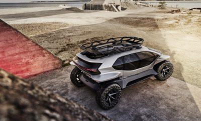 """• Ένα πρωτότυπο για οδήγηση στην ύπαιθρο και σε αφιλόξενα εδάφη χωρίς ρύπους • Τέσσερις ηλεκτρικοί κινητήρες και τετρακίνηση • Aicon και φίλοι: η Audi παρουσιάζει και τα τέσσερα φουτουριστικά αυτοκίνητά της στην 68η Διεθνή Έκθεση Αυτοκινήτου της Φρανκφούρτης (IAA 2019) Η Audi ολοκληρώνει την τετράδα των φουτουριστικών μοντέλων της παρουσιάζοντας στην 68η Διεθνή Έκθεση Αυτοκινήτου της Φρανκφούρτης (IAA 2019) ένα ηλεκτρικό όχημα εκτός δρόμου για το μέλλον της αυτοκίνησης: το Audi AI:TRAIL quattro, μια ολοκληρωμένη ιδέα για βιώσιμη κινητικότητα πέρα από τους ασφαλτοστρωμένους δρόμους. Και τα τέσσερα φουτουριστικά οχήματα, τα Audi Aicon, AI:ME, AI:RACE και AI:TRAIL, παρουσιάζονται όλα μαζί στο περίπτερο της Audi στην 68η Διεθνή Έκθεση Αυτοκινήτου της Φρανκφούρτης (IAA 2019). Το τετραθέσιο Audi AI:TRAIL quattro συνδυάζει την αυτόνομη οδήγηση με εξαιρετικές δυνατότητες κίνησης εκτός δρόμου. Τα κρύσταλλα που περιβάλλουν την καμπίνα εκτείνονται σχεδόν μέχρι το έδαφος, παρέχοντας ασύγκριτη ορατότητα. Η αυξημένη χωρητικότητα της μπαταρίας εξασφαλίζει μεγάλη αυτονομία, ακόμα και μακριά από τα ανεπτυγμένα δίκτυα σταθμών φόρτισης. Το """"Trail"""" στην επωνυμία του ονόματος παραπέμπει στην εξερεύνηση της φύσης. Αυτός είναι ο λόγος για τον οποίο δεν υπάρχουν στο εσωτερικό μεγάλες οθόνες για να παρακολουθεί κανείς τηλεοπτικές σειρές σε streaming ή για να μετέχει σε τηλεδιασκέψεις, Αντίθετα, οι μεγάλες γυάλινες επιφάνειες εξασφαλίζουν μια άνετη θέα στο περιβάλλον. Ο Marc Lichte, ο επικεφαλής του τμήματος design της Audi, περιγράφει τη λογική του αυτοκινήτου: """"Με το AI:TRAIL, επιδεικνύουμε ένα πρωτότυπο ηλεκτρικό όχημα εκτός δρόμου με μηδενικούς ρύπους για μια πρωτοποριακή εμπειρία κίνησης μακριά από ασφαλτοστρωμένους δρόμους. Σύμφωνα με αυτά λοιπόν σχεδιάσαμε ένα βασικό αμάξωμα ενός όγκου με τις μεγαλύτερες δυνατές γυάλινες επιφάνειες προκειμένου να δημιουργήσουμε μια έντονη σύνδεση με το περιβάλλον. Ένα πρωτότυπο για βιώσιμη κινητικότητα εκτός δρόμου όποτε αυτή απαιτείται"""". Τα φουτουρισ"""