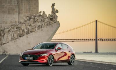 Το νέο Mazda3 2019, έχοντας κατακτήσει την κορυφαία διάκριση 5 αστέρων στις δοκιμές πρόσκρουσης του Euro NCAP και το βραβείο σχεδιασμού Red Dot Award 2019, προσφέρεται πλέον στην ελληνική αγορά και με κινητήρα 1.5L. • Εκπληκτική βαθμολογία 98% στην κατηγορία προστασίας των ενηλίκων επιβατών • Διευρυμένη γκάμα τεχνολογιών ασφαλείας i-ACTIVSENSE και αυξημένος βαθμός προστασίας πεζών • Για έβδομη φορά μέχρι σήμερα, μοντέλο της σχεδιαστικής φιλοσοφίας Kodo της Mazda, κατακτά το βραβείο Red Dot Design Award • Τελευταία προσθήκη στη δυναμική σειρά κινητήρων βενζίνης Skyactiv-G που εξοπλίζει το νέο Mazda3 είναι ο αποδοτικός 1.5L G120 ισχύος 120hp. Το νέας γενιάς μικρομεσαίο μοντέλο έρχεται να προστεθεί στον κατάλογο των βραβευμένων μοντέλων της Mazda που έχουν σχεδιαστεί με τη φιλοσοφία του Kodo: τη φιλοσοφία της ψυχής της κίνησης. Tο νέο Mazda3 αισθάνεται στο φυσικό του περιβάλλον είτε επιταχύνει, στρίβει ή φρενάρει, φιλτράροντας ταυτόχρονα κάθε ανωμαλία του δρόμου πριν αυτή φτάσει στους επιβάτες. Η θέση οδήγησης βρίσκεται και αυτή σε απόλυτη ταύτιση με τον οδηγό. Το νέο κάθισμα, για παράδειγμα, κρατά τη λεκάνη όρθια ακολουθώντας τη φυσική κίνηση του σώματος έτσι ώστε να βοηθά στη μείωση της κούρασης. Tο ολοκαίνουργιο, άκρως δυναμικό Mazda3 του 2019 απέσπασε την ανώτατη διάκριση των 5 αστέρων στις πρόσφατες δοκιμές πρόσκρουσης του οργανισμού Euro NCAP. Μετά το Mazda6 του περασμένου έτους, πρόκειται για το δεύτερο μοντέλο της Mazda που κατακτά την ανώτατη συνολική διάκριση των 5 αστέρων στις νέες και πιο αυστηρές δοκιμές πρόσκρουσης του 2018, του ανεξάρτητου οργανισμού δοκιμών για την ασφάλεια. Το νέο Mazda3 σημείωσε εντυπωσιακά αποτελέσματα και στις 4 κατηγορίες δοκιμών του Euro NCAP κατέχοντας υψηλό επίπεδο προστασίας για ενήλικους επιβάτες, παιδιά επιβάτες, ευπαθείς χρήστες του δρόμου (ασφάλεια πεζών) και σε σημαντικά ανεπτυγμένα συστήματα υποβοήθησης ασφαλείας. Αυτό αποδίδεται σε τρείς κυρίως παράγοντες: Στην υιοθέτηση της τελευταίας γενιάς αρχιτεκτονικής κατασκευής το