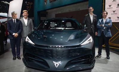 """ Η CUPRA παρουσιάζει το CUPRA Tavascan Concept, το πρώτο πλήρως ηλεκτρικό όχημα της μάρκας  Το plug-in hybrid SEAT Tarraco θα κάνει την εμφάνισή του στα τέλη του 2020  Το Mii electric θέτει τα θεμέλια της ηλεκτρικής κινητικότητας.  Ο Mattias Ekström, είναι ο νέος πρεσβευτής της CUPRA Κηφισιά, 10/09/2019. Η SEAT πάει στο Διεθνές Σαλόνι Αυτοκινήτου της Φρανκφούρτης με την ηλεκτρική της «επίθεση» σε πλήρη εξέλιξη. Μετά την ανακοίνωση του SEAT Mii electric και του elBorn, των δύο πρώτων πλήρως ηλεκτρικών μοντέλων της μάρκας, η CUPRA παρουσιάζει στην φετινή ΙΑΑ το νέο της concept car Tavascan. Παρόν επίσης θα είναι το νέο SEAT Tarraco FR PHEV, το πρώτο υβριδικό plug-in ηλεκτρικό SUV της μάρκας και το τέταρτο ηλεκτρικό μοντέλο των έξι που ανακοίνωσε ότι θα λανσάρει μέχρι το 2021. Μετά το CUPRA Formentor, το πρώτο μοντέλο που αναπτύχθηκε ειδικά για τη μάρκα, εξοπλισμένο με υβριδικό κινητήρα και προγραμματισμένο για κυκλοφορία στην αγορά το προσεχές έτος, το Tavascan concept car είναι το πρώτο πλήρως ηλεκτρικό όχημα της μάρκας CUPRA το οποίο αναπτύχθηκε στην νέα πλατφόρμα MEB. Η SEAT προσγειώνεται στη Φρανκφούρτη μετά την επίτευξη του υψηλότερου αριθμού των πωλήσεων από τον Ιανουαρίο μέχρι τον Αυγούστο στην ιστορία της. Οι παγκόσμιες πωλήσεις της εταιρείας αυξήθηκαν κατά 7,2% με συνολικό όγκο 411,600 αυτοκινήτων. Στη συνέντευξη Τύπου, ο Πρόεδρος της SEAT Luca de Meo δήλωσε ότι """"το Διεθνές Σαλόνι Αυτοκινήτου της Φρανκφούρτης έρχεται σε μια σημαντική χρονική στιγμή για εμάς, με ιστορικά ρεκόρ πωλήσεων και οικονομικών αποτελεσμάτων. Η θέση μας επιτρέπει να παραμείνουμε αφοσιωμένοι και να συνεχίσουμε να επενδύουμε στην κινητικότητα για τις μελλοντικές γενιές με λύσεις που θα προσαρμοστούν για το αύριο. Η ηλεκτροκίνηση αποτελεί βασικό στοιχείο αυτής της κινητικότητας, όπως και η μικρο-κινητικότητα και η ανάπτυξη λύσεων που ανταποκρίνονται σε αυτήν"""". Δύο επιβλητικά μοντέλα στη σκηνή Το νέο CUPRA Tavascan και το SEAT Tarraco FR PHEV είναι δύο βήματα προς την ηλεκτρική «επίθεση» κι"""