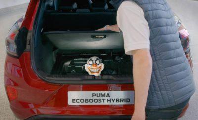 Θέλοντας να γιορτάσει με τον δικό της, μοναδικό τρόπο το φετινό Halloween, η Ford αποφάσισε να τοποθετήσει ένα μικρό «φαντασματάκι» στο MegaBox, στο χώρο αποσκευών του νέου Puma, εκμεταλλευόμενη την έμφυτη περιέργεια των εργαζομένων της για το νέο και καινοτόμο σε κάθε του πτυχή crossover μοντέλο. Το προσωπικό της Ford αδημονούσε να μάθει τα πάντα για το νέο Puma,οπότε όταν ένα από αυτά τοποθετήθηκε στο φουαγιέ των κεντρικών γραφείων της εταιρείας στο Essex, τα ανυποψίαστα… θύματα δεν έχασαν την ευκαιρία για μία εξονυχιστική εξέτασή του. Όμως, με αφορμή το φετινό Halloween, οι πιο περίεργοι ήρθαν αντιμέτωποι με μία αναπάντεχη έκπληξη την ώρα που «εξερευνούσαν» το μοναδικό MegaBox. Κρυφές κάμερες στήθηκαν και συνέλαβαν τις αντιδράσεις τρόμου! Παρακολουθήστε το σχετικό βίντεο εδώ: https://youtu.be/t6nCrsgoTjA Το MegaBox Το καινοτόμο MegaBox του Puma δημιουργήθηκε όχι μόνο για να ικανοποιεί αλλά και για να υπερβαίνει τις προσδοκίες των πελατών από ένα πρακτικό χώρο αποσκευών εξασφαλίζοντας ένα βαθύ και ευέλικτο αποθηκευτικό χώρο χωρητικότητας 80 λίτρων. Με πλάτος 763 mm, μήκος 752 mm και βάθος 305 mm, το MegaBox είναι ιδανικό για τη μεταφορά μη σταθερών αντικειμένων με ύψος που φτάνει έως και τα 115 cm – όπως φυτά εσωτερικού χώρου, για παράδειγμα – σε όρθια θέση. Εναλλακτικά, με το κάλυμμα κατεβασμένο, στο συγκεκριμένο χώρο μπορεί εύκολα να μεταφέρει κανείς βρώμικο σπορ εξοπλισμό ή λασπωμένες γαλότσες, μακριά από τα αδιάκριτα βλέμματα, με τη συνθετική επένδυση του MegaBox και την τάπα αποστράγγισης του νερού στο κάτω τμήμα να διευκολύνουν το πλύσιμό τους. Ρυθμιζόμενο πάτωμα χώρου αποσκευών Για ακόμα μεγαλύτερη ευελιξία, το πάτωμα του χώρου αποσκευών του Puma ρυθμίζεται εύκολα με το ένα χέρι σε διάφορα ύψη, ανάλογα με τις απαιτήσεις φόρτωσης: • Στη χαμηλότερη θέση, επιτυγχάνεται η μέγιστη αποθηκευτική ικανότητα, με το MegaBox εκτός κοινής θέας • Στην ψηλότερη θέση, αυξάνεται ο υποδαπέδιος χώρος και δημιουργείται ένα πάτωμα στο ίδιο επίπεδο με την αναδιπλωμένη δεύτερη σε