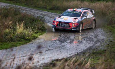 "• Η Hyundai Motorsport ανέβηκε στο βάθρο του Wales Rally GB, τον 12ο γύρο του Παγκοσμίου Πρωταθλήματος Ράλι της FIA (WRC) του 2019 • Ο Thierry Neuville τερμάτισε στη δεύτερη θέση, ο Andreas Mikkelsen στην έκτη θέση και ο Craig Breen ολοκλήρωσε το δεύτερο ράλι του με την Hyundai Motorsport στην όγδοη θέση • Οι βαθμοί που εξασφάλισαν οι Neuville και Mikkelsen διατήρησαν το προβάδισμα της ομάδας στην κατάταξη των κατασκευαστών με 340 βαθμούς και δύο μόνο αγώνες να απομένουν για την ολοκλήρωση του πρωταθλήματος Η Hyundai Motorsport ολοκλήρωσε τον 12ο γύρο του Παγκοσμίου Πρωταθλήματος Ράλι της FIA (WRC) του 2019 με τον Thierry Neuville να κατακτά τη δεύτερη θέση. Ο Βέλγος και ο συνοδηγός του Nicolas Gilsoul, ολοκλήρωσαν τον αγώνα μόλις 10,9 δευτερόλεπτα πίσω από τον νικητή του αγώνα, κατακτώντας το 11ο συνολικά βάθρο της ομάδας έως σήμερα στη σεζόν. Η Hyundai Motorsport εξακολουθεί να διατηρεί το προβάδισμα της στο πρωτάθλημα των κατασκευαστών με μόνο δύο αγώνες να απομένουν για την ολοκλήρωση του πρωταθλήματος. Αντίστοιχα, ο Neuville κατάφερε να αυξήσει σε 199 τους βαθμούς του στο πρωτάθλημα των οδηγών, κατακτώντας έναν βαθμό στην Brenig Power Stage και 18 βαθμούς από την κατάκτηση της δεύτερης θέσης. Δηλώσεις πληρώματος: Thierry Neuville / Nicolas Gilsoul (# 11 Hyundai i20 Coupe WRC) • Τρίτο βάθρο στο Wales Rally GB για τη Hyundai Motorsport μετά το 2016 και το 2017 • Το βέλγικο πλήρωμα κέρδισε τρεις stages σε ένα πολύ ανταγωνιστικό Σαββατοκύριακο Ο Neuville δήλωσε: ""Δεν θα μπορούσαμε να δώσουμε περισσότερα αυτό το Σαββατοκύριακο. Ήταν μια σκληρή μάχη με δύσκολες συνθήκες. Είμαστε ικανοποιημένοι με την απόδοσή μας, αλλά είμαι απογοητευμένος από το τελικό αποτέλεσμα. Το πρωτάθλημα συνεχίζεται τώρα στην Ισπανία, όπου ξέρουμε ότι πρέπει να προπορευθούμε για να διατηρήσουμε τον τίτλο μας ζωντανό. Όλα μπορούν να συμβούν αγωνιστικά, οπότε δεν εγκαταλείπουμε ποτέ"". Ο Team Director Andrea Adamo δήλωσε : ""Ολοκληρώσαμε το Wales Rally GB με ένα ακόμη βάθρο και εξακολουθούμε να ηγ"