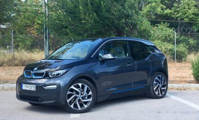 Πρόσβαση στην πράσινη ενέργεια μέσω έξυπνης φόρτισης - Η BMW i σε συνεργασία με τον διαχειριστή δικτύου ηλεκτρισμού TenneT δοκιμάζουν ένα νέο είδος στρατηγικής φόρτισης για ηλεκτρικά οχήματα με μοντέλο το BMW i3 – Η ψηφιακή ενσωμάτωση θα μετατρέψει την ηλεκτροκίνηση σε στυλοβάτη της ενεργειακής επανάστασης – Οι πελάτες θα επωφελούνται λόγω μείωσης του κόστους.